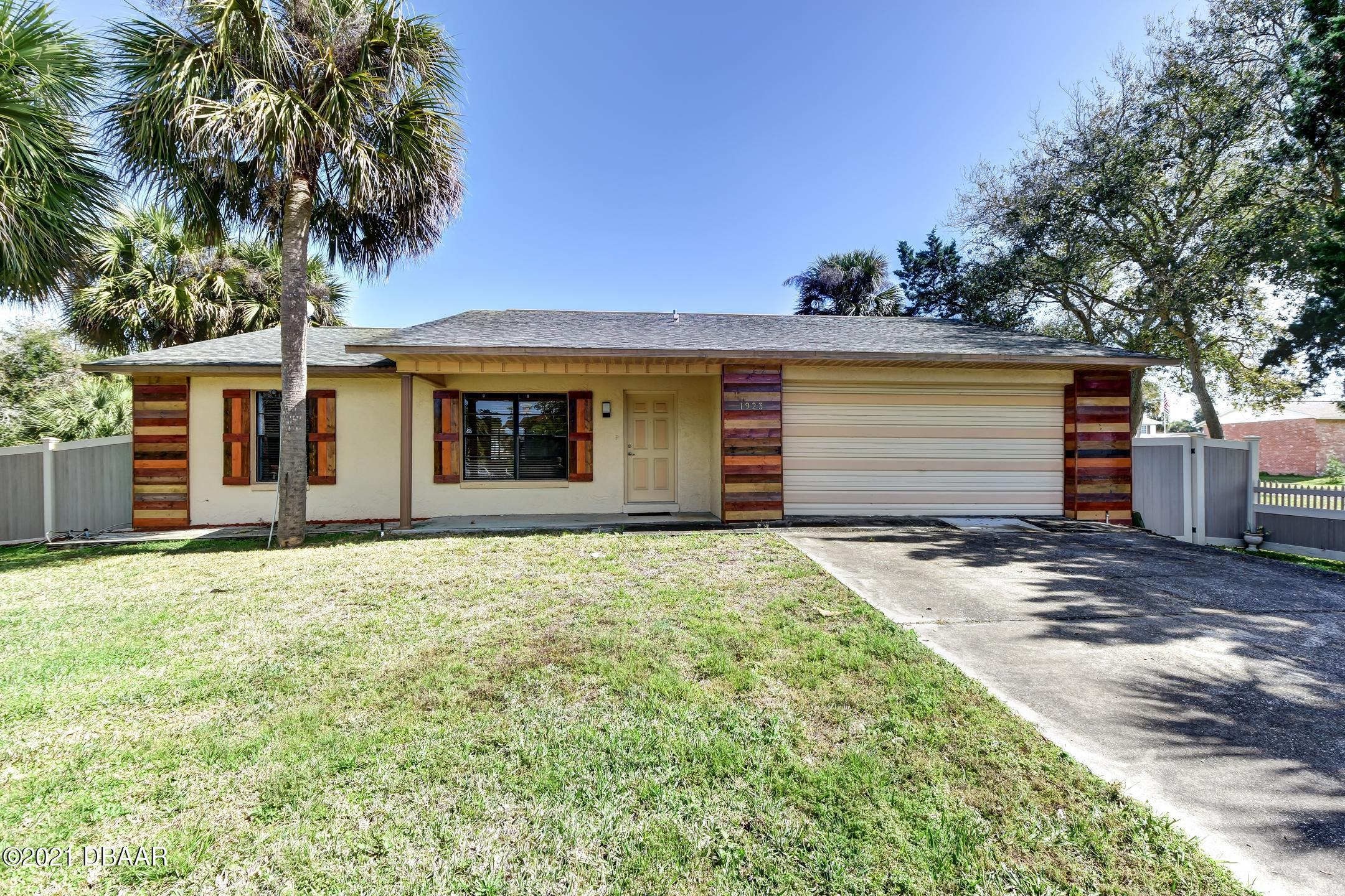 Listing Details for 1923 Palmetto Avenue, South Daytona, FL 32119