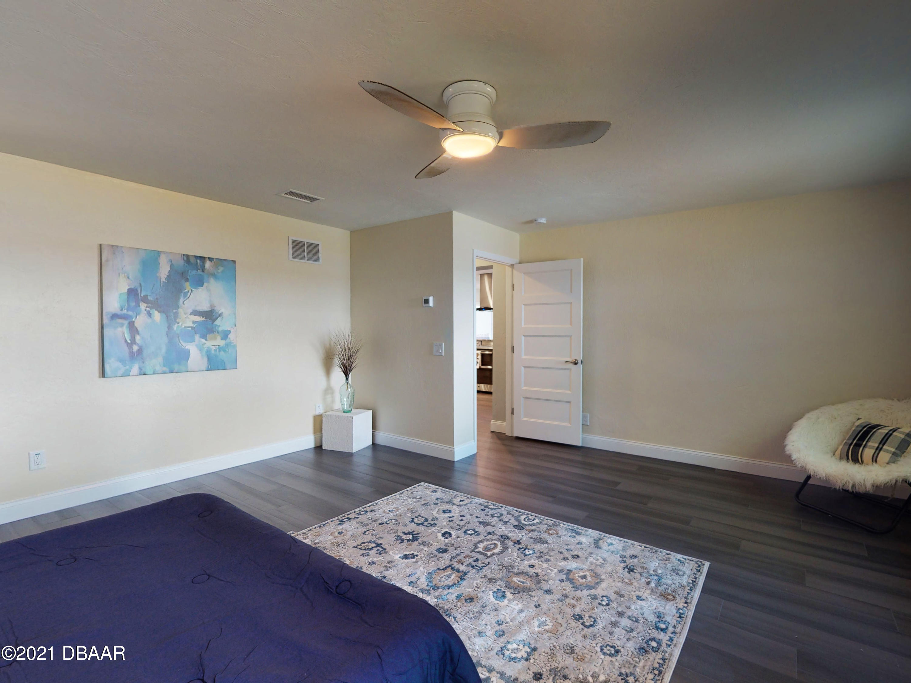 Listing photo id 26 for 3100 Peninsula Drive