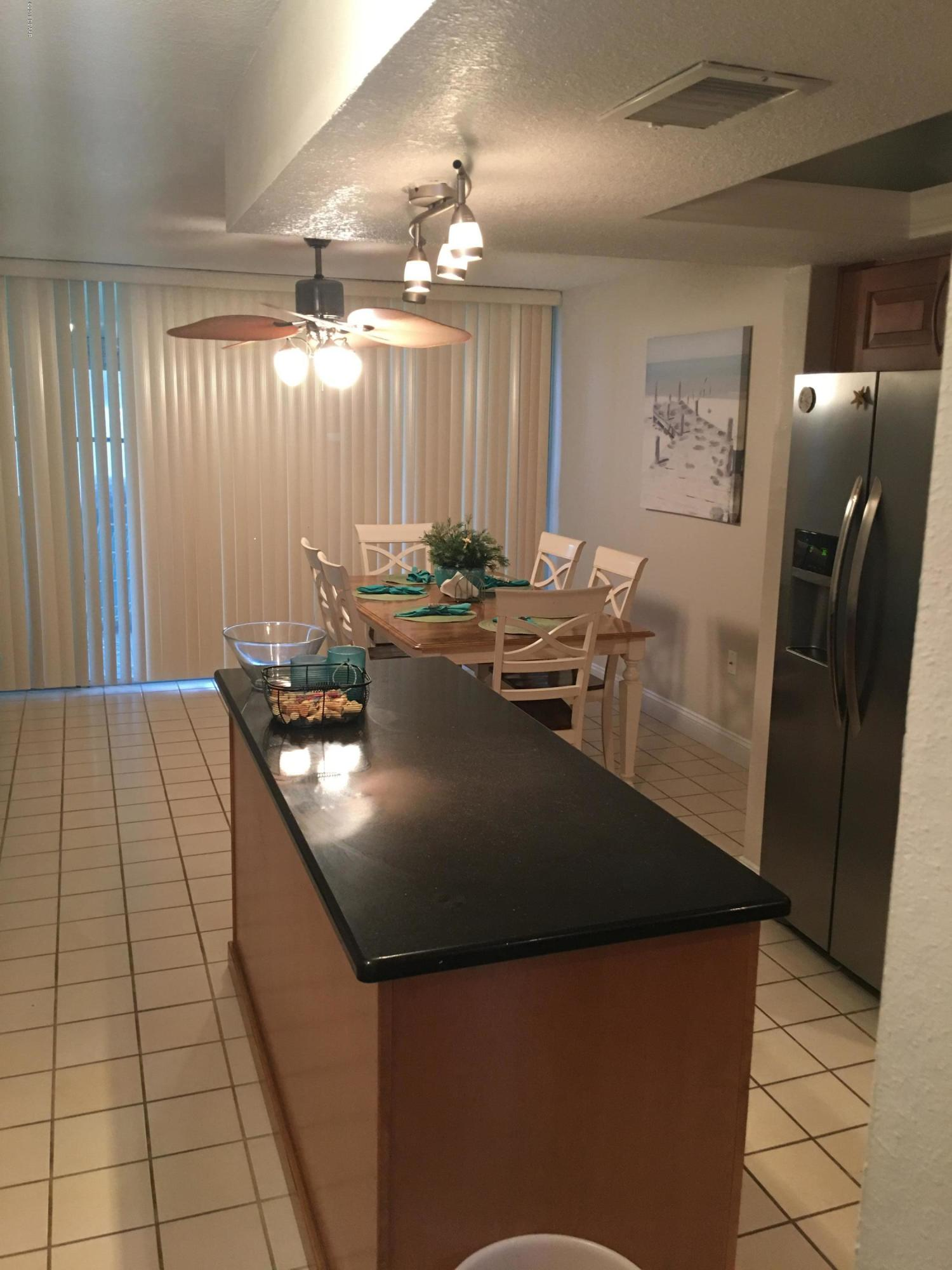 Listing photo id 7 for 5500 Ocean Shore Boulevard 52