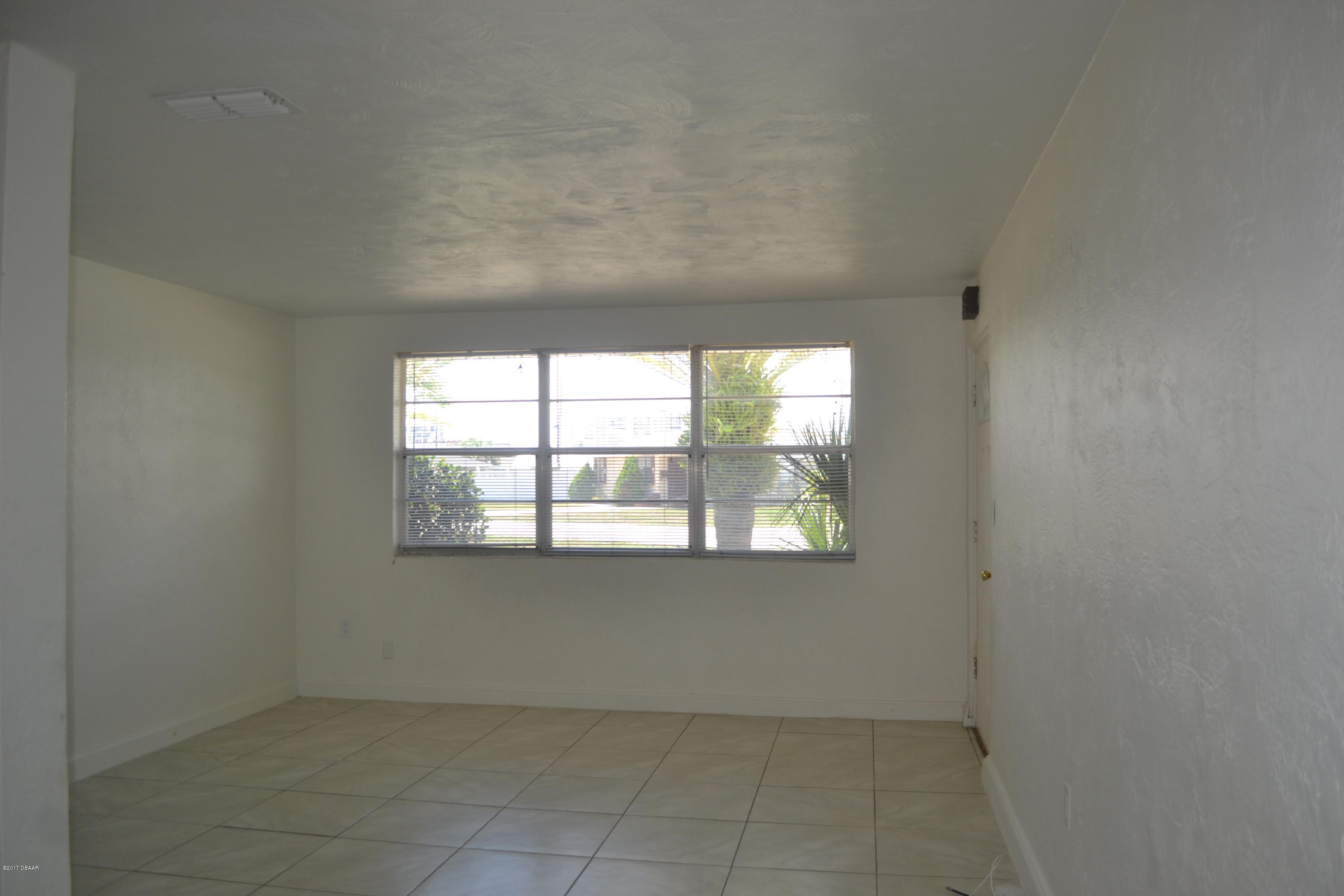 Image 4 For 5 Poinsettia Drive