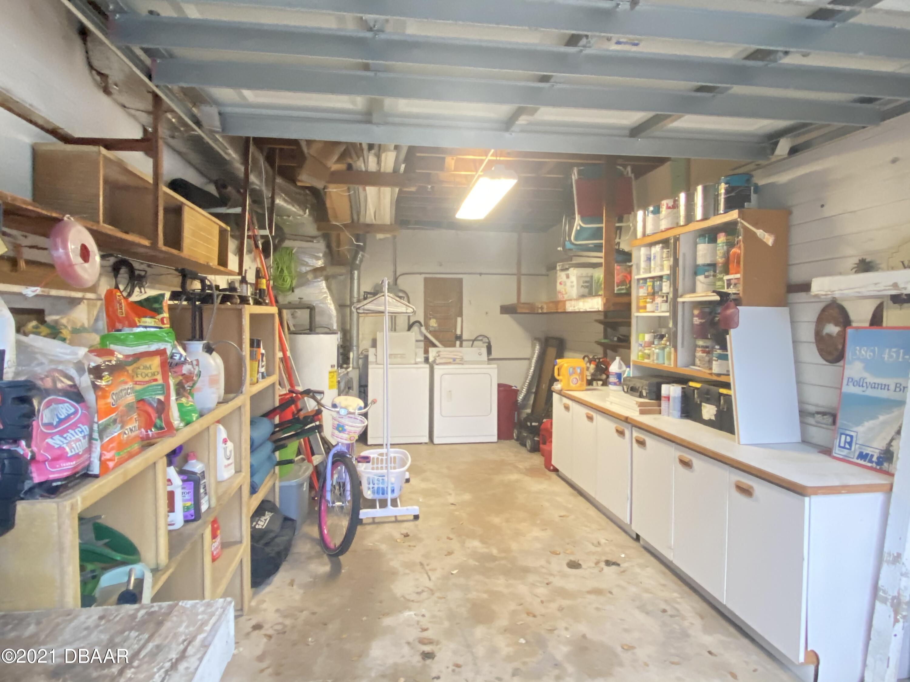 Listing photo id 78 for 521 University Boulevard