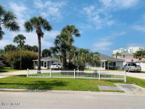822 Hope Avenue, New Smyrna Beach, FL 32169