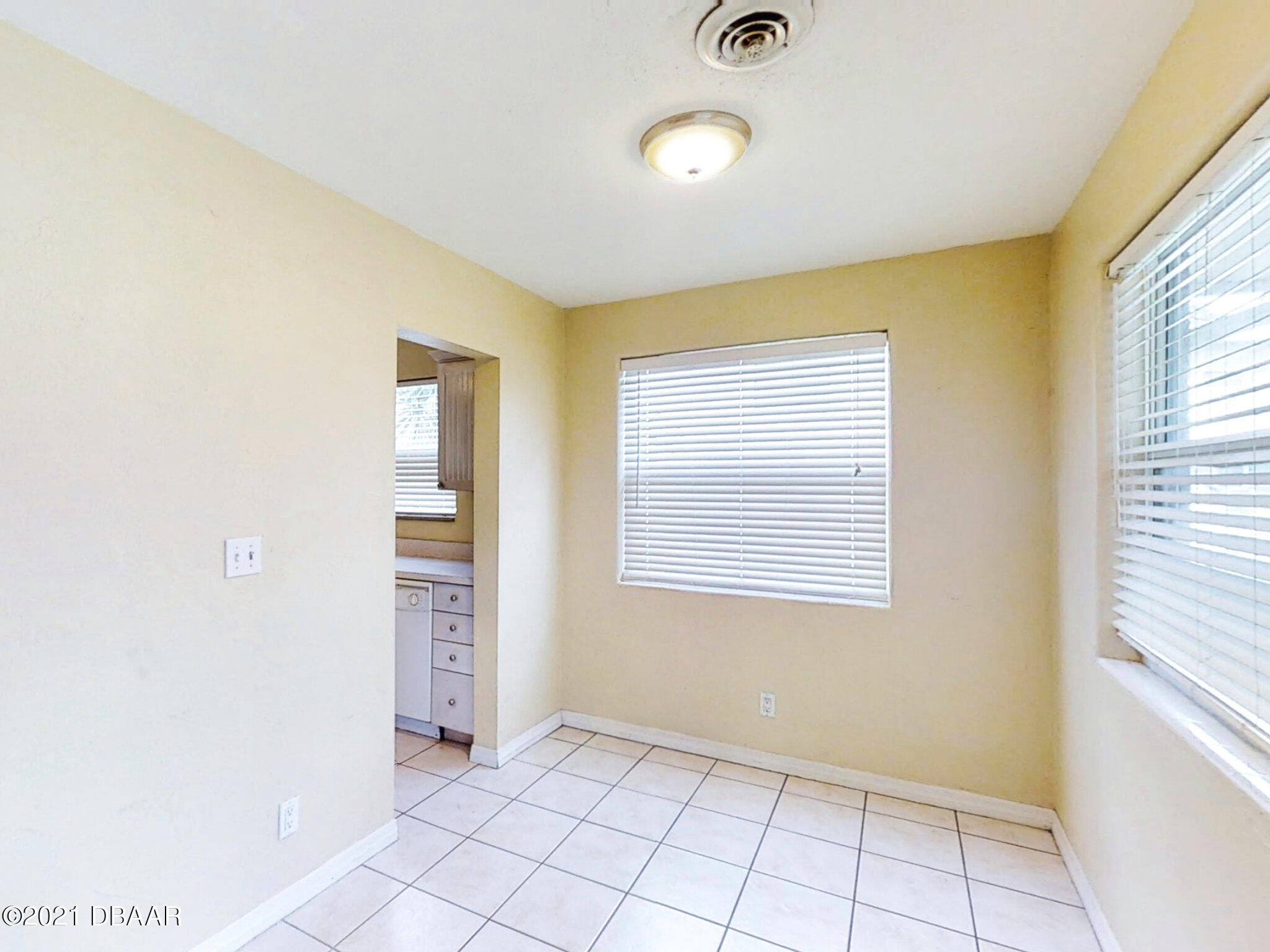 Listing photo id 15 for 3 Hickory Lane