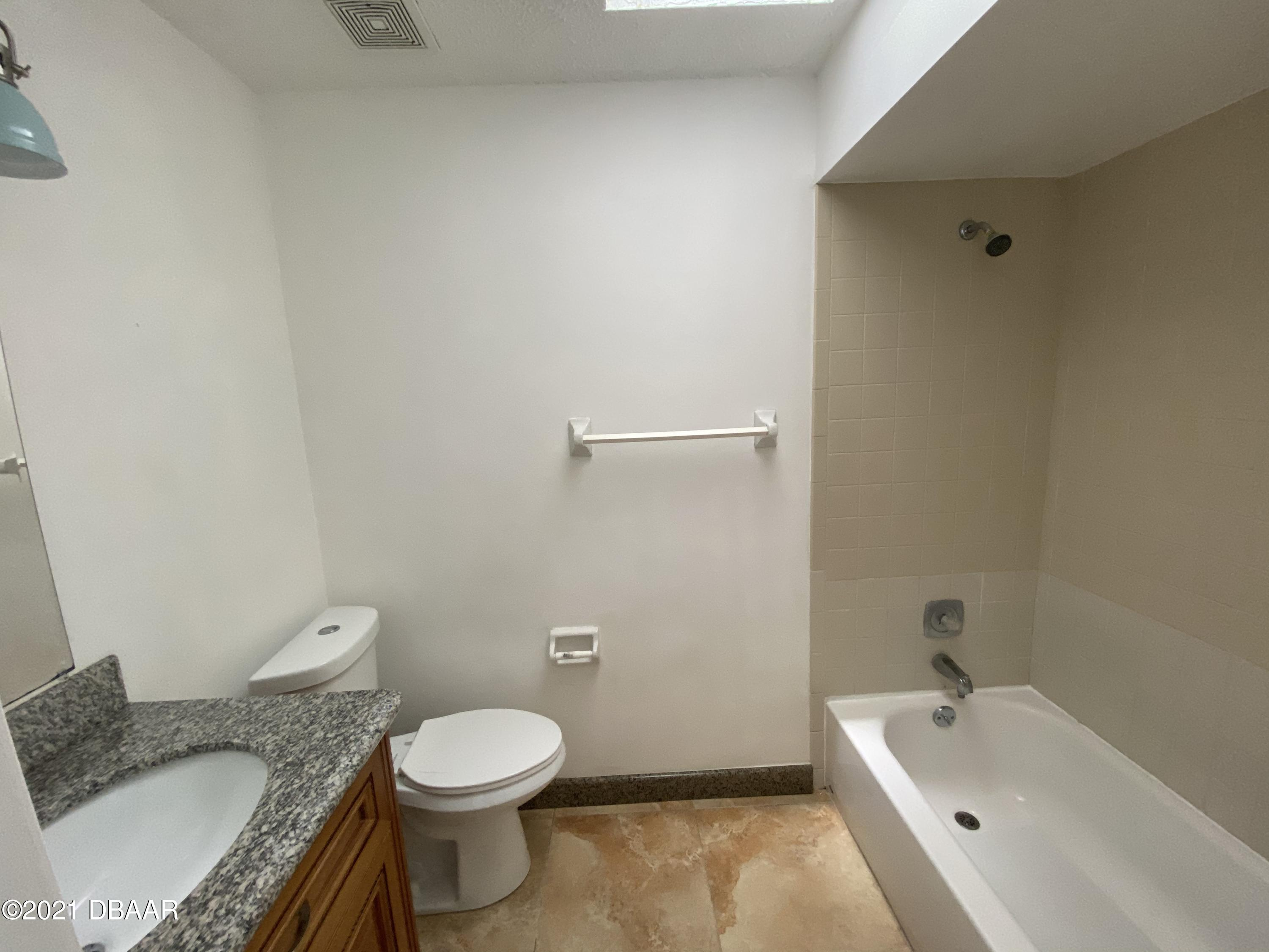 Listing photo id 12 for 161 Westwood Drive
