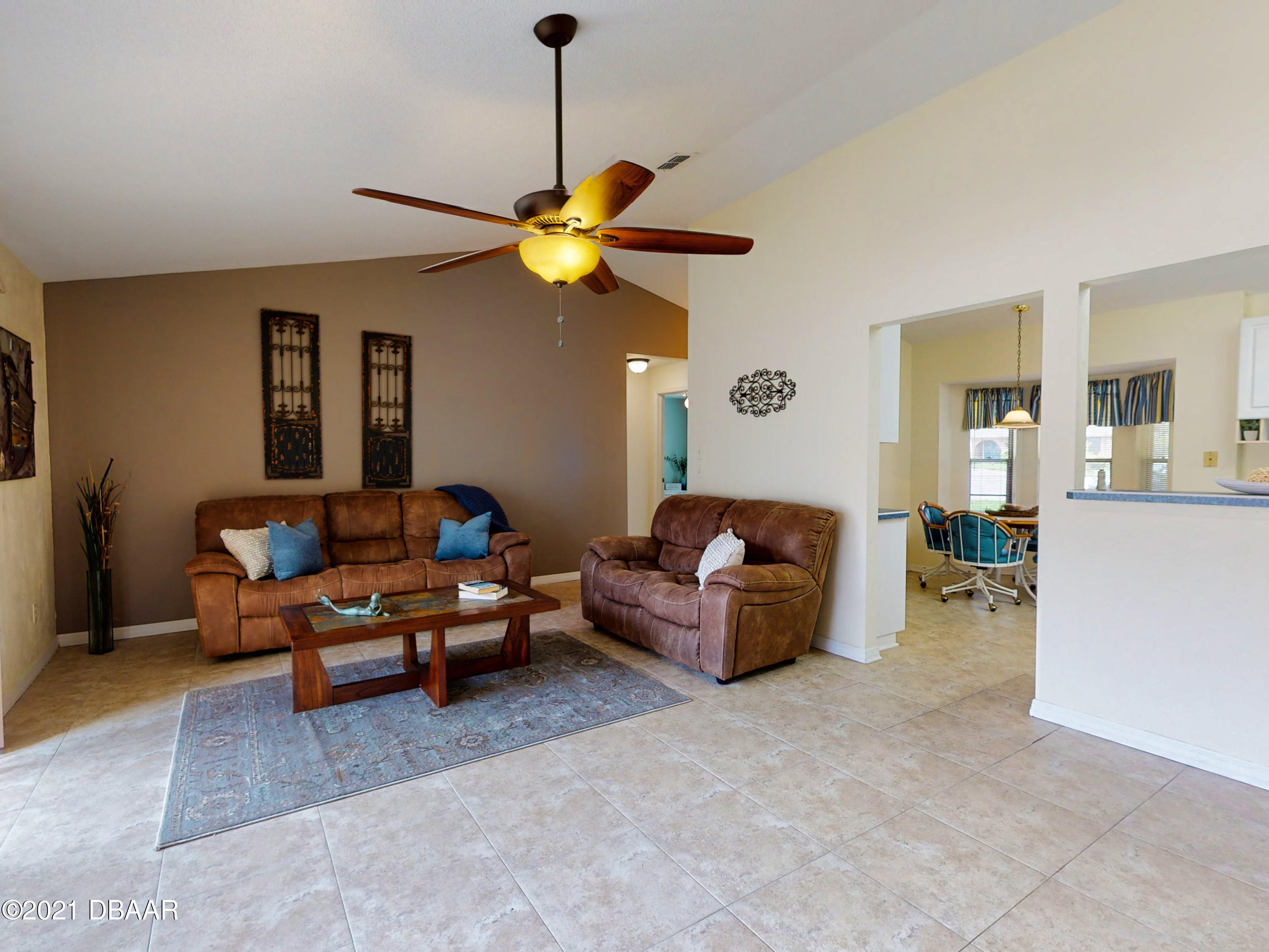 Listing photo id 12 for 10 Little Cay Circle