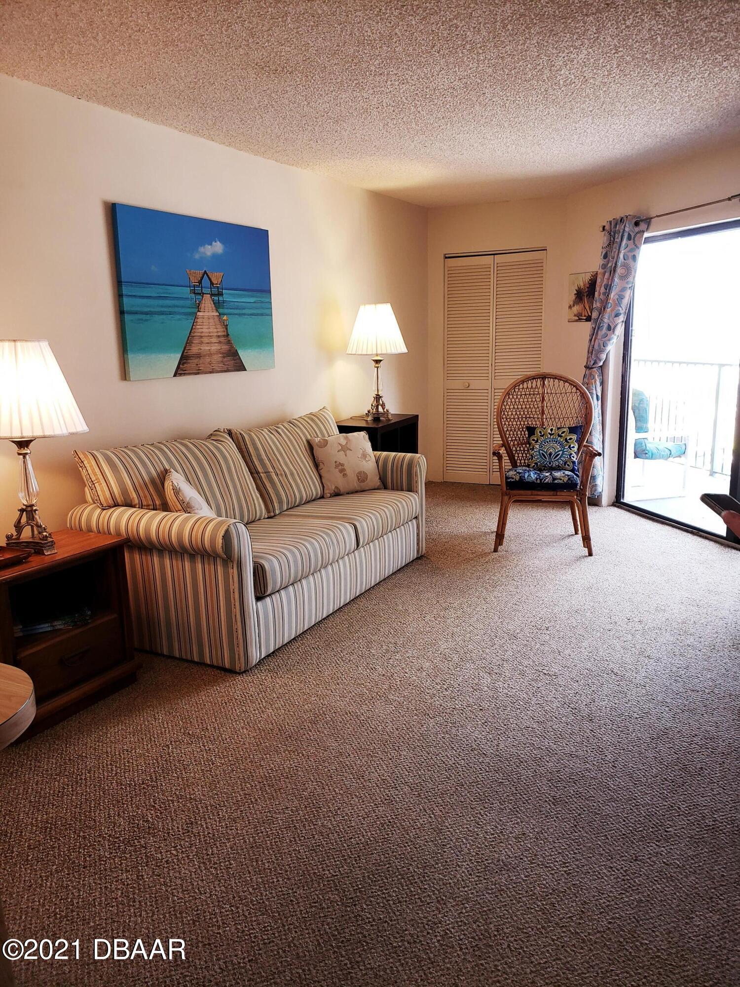 Listing photo id 4 for 3647 Atlantic Avenue 306