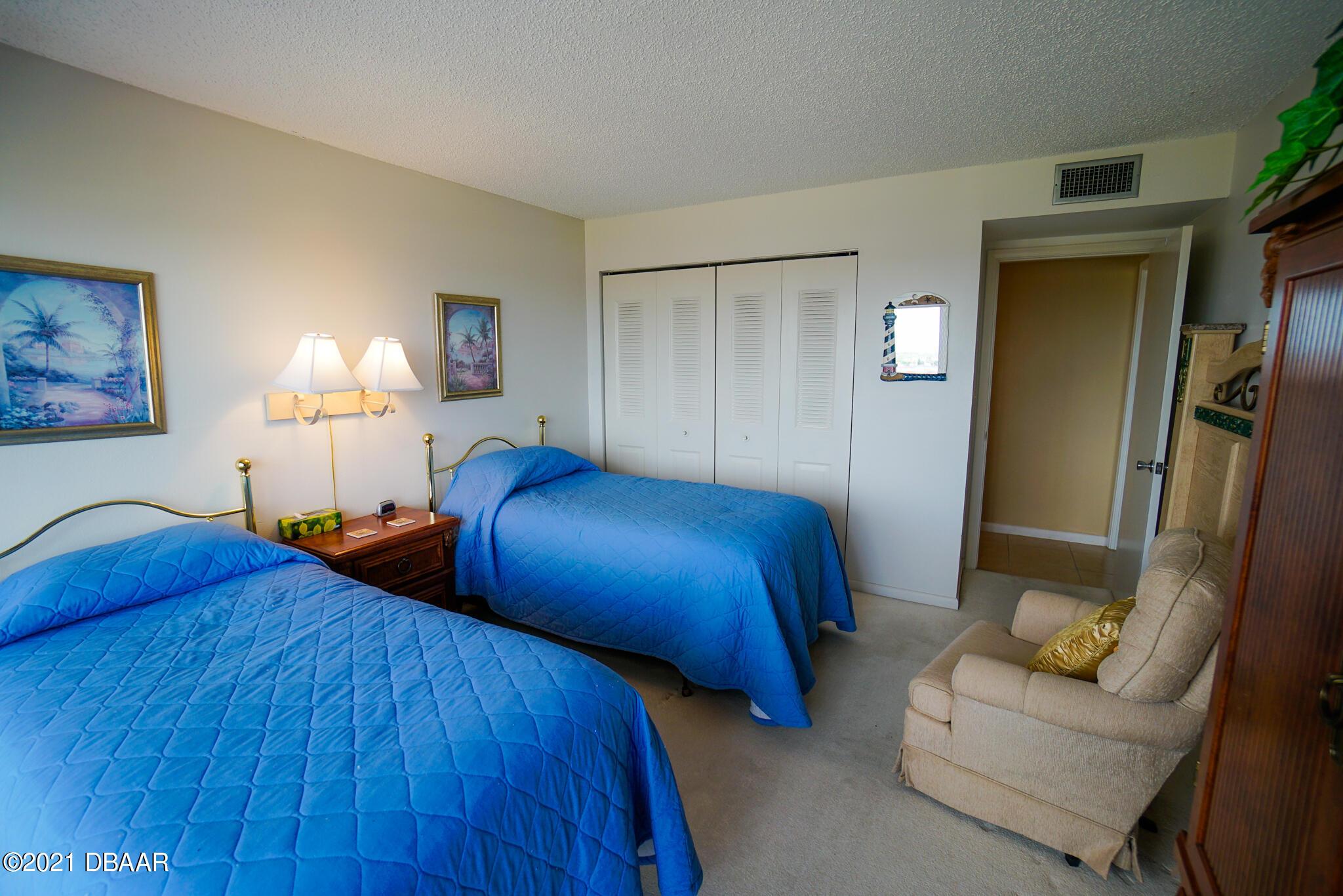 Listing photo id 31 for 2900 Atlantic Avenue 505