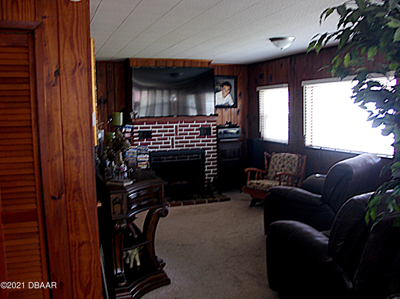Listing photo id 12 for 1668 Beach Drive