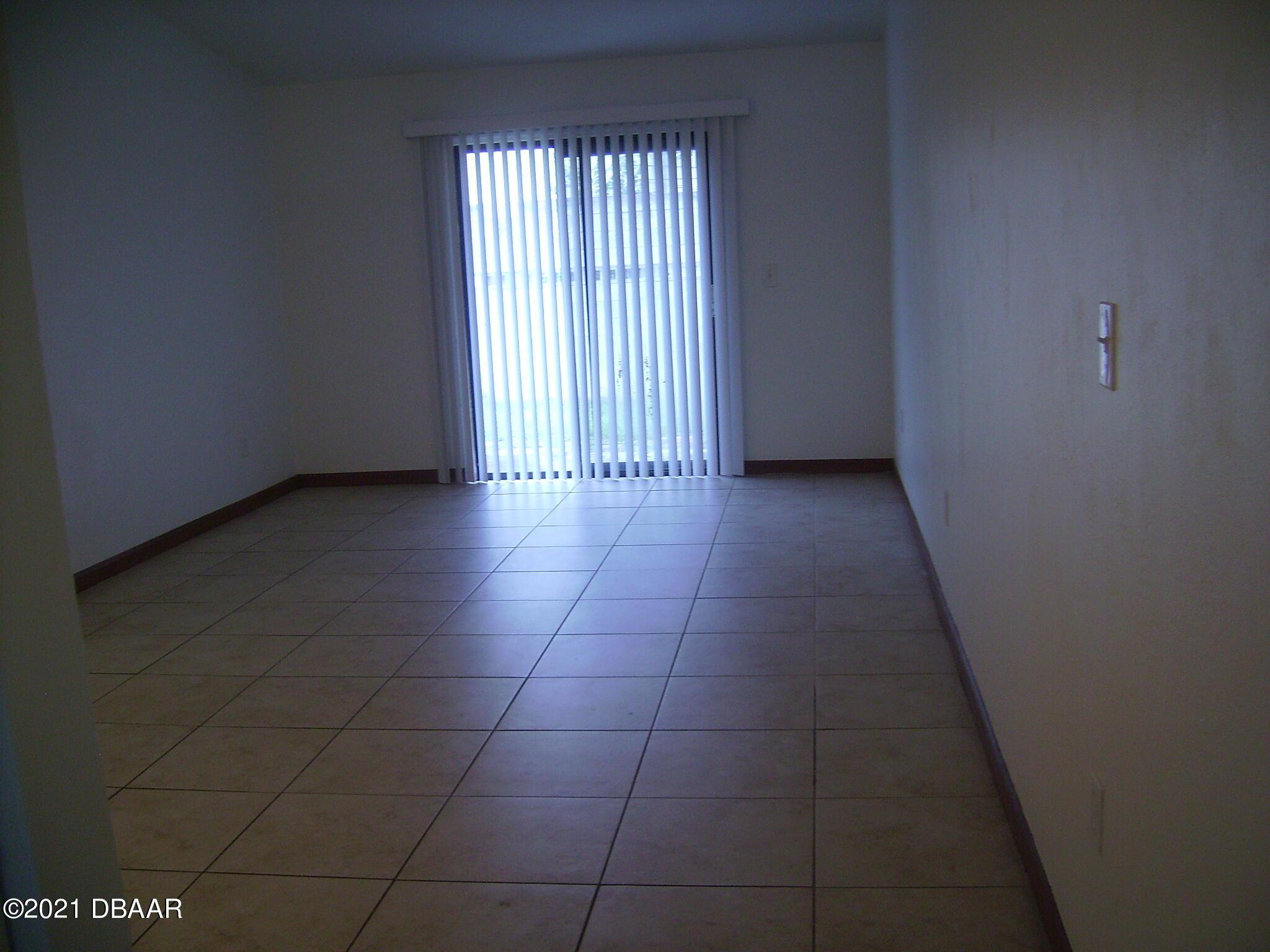 Listing photo id 4 for 1692 Espanola Avenue