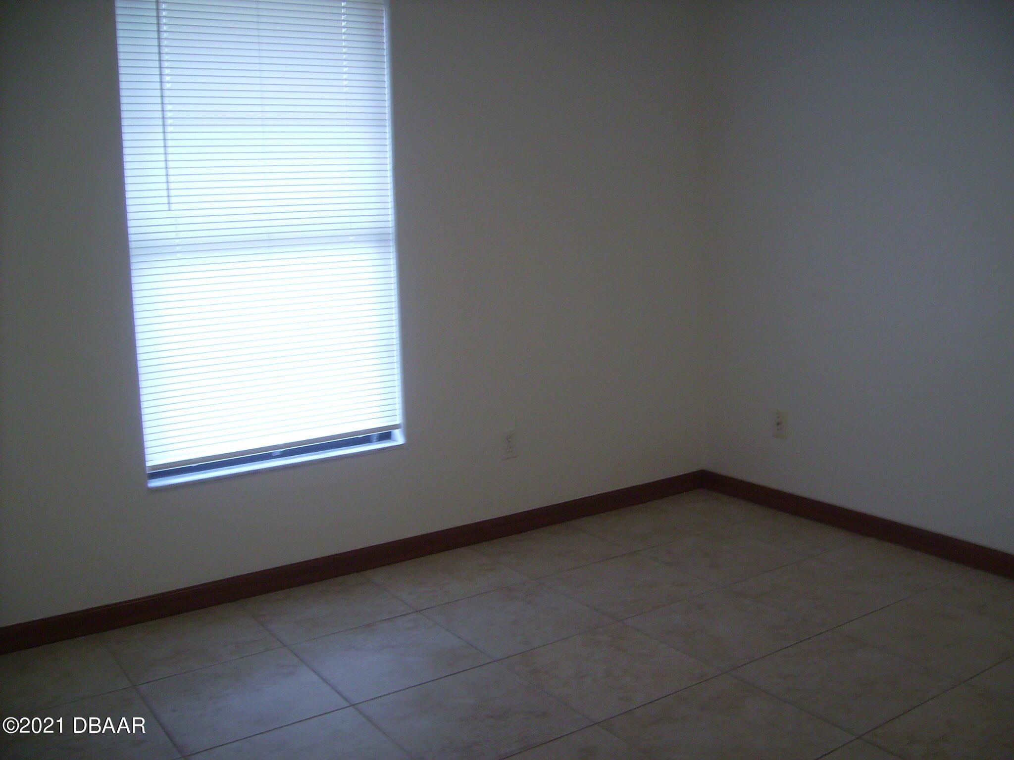 Listing photo id 9 for 1692 Espanola Avenue