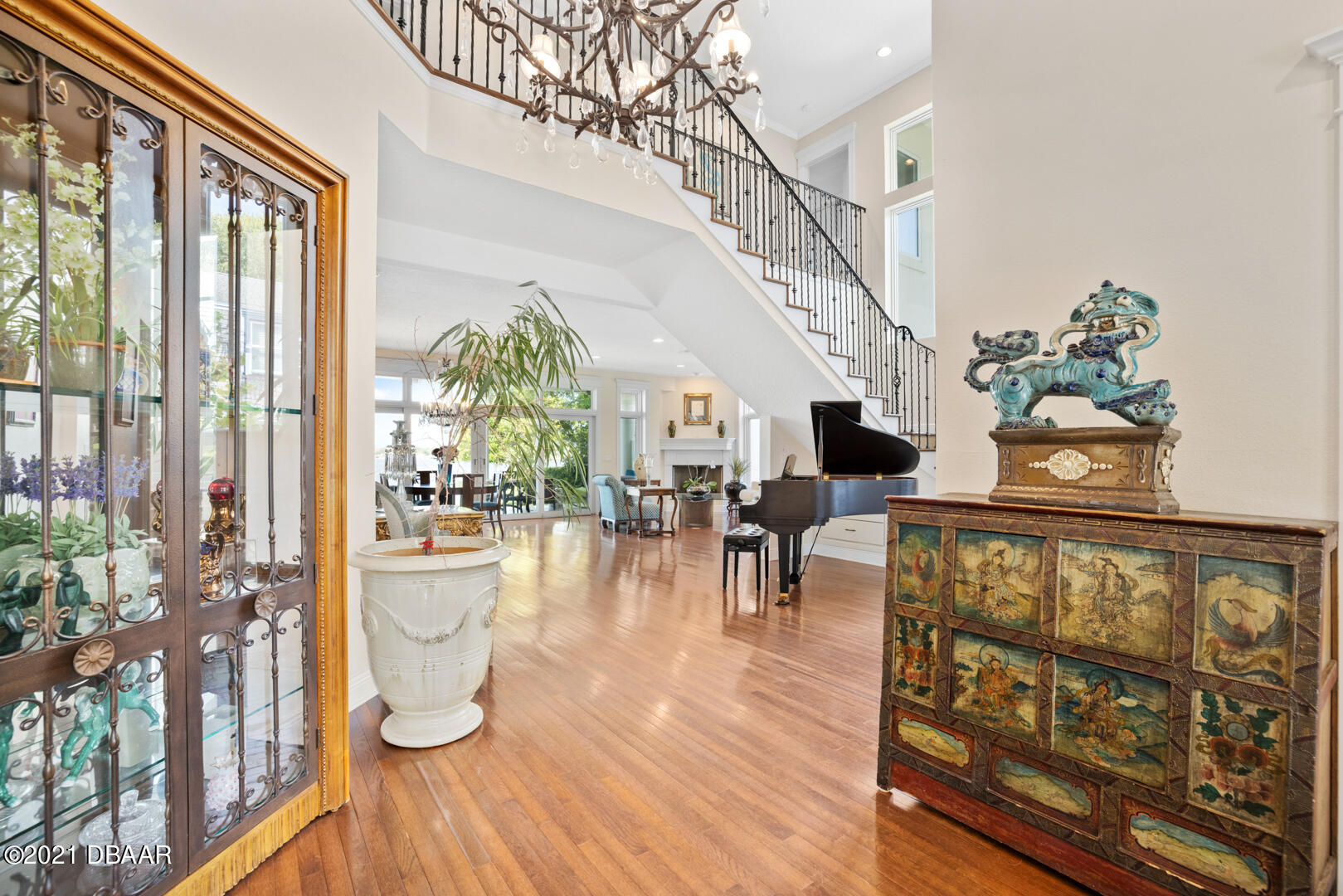 Listing photo id 7 for 70 Riverside Drive