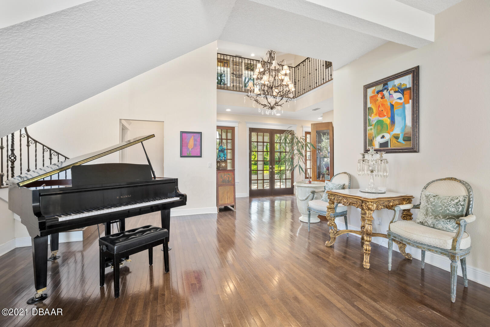 Listing photo id 10 for 70 Riverside Drive