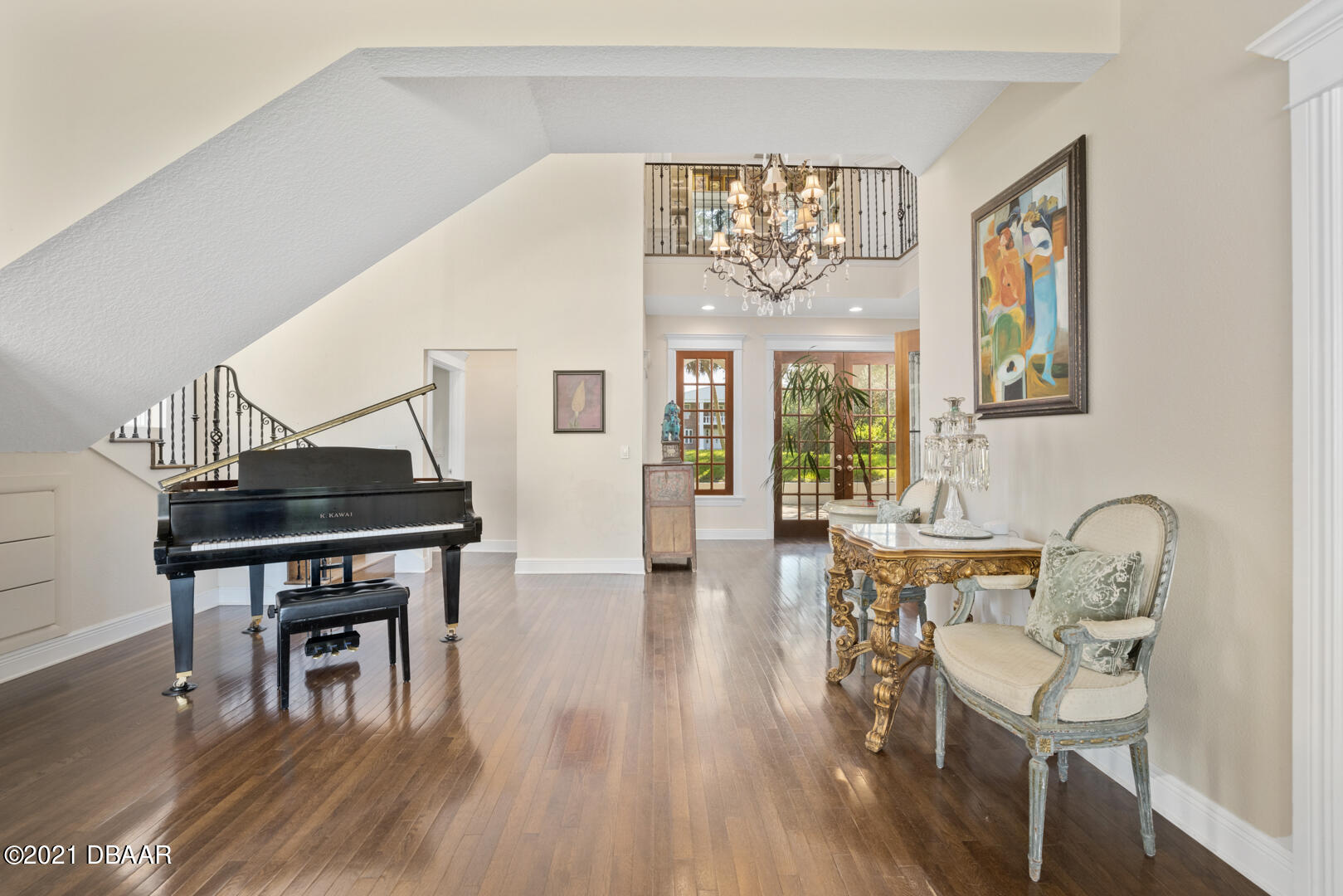 Listing photo id 11 for 70 Riverside Drive