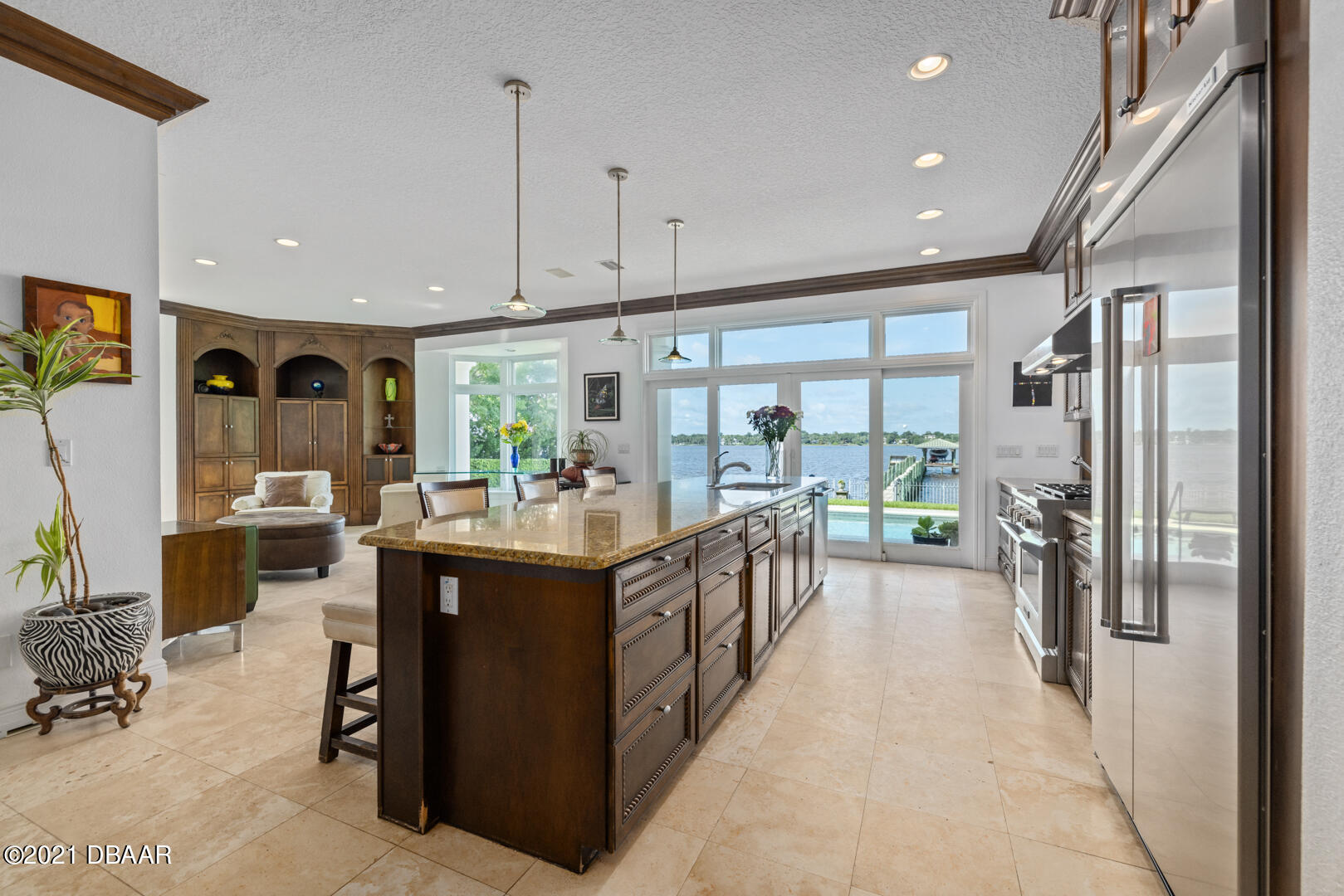 Listing photo id 19 for 70 Riverside Drive