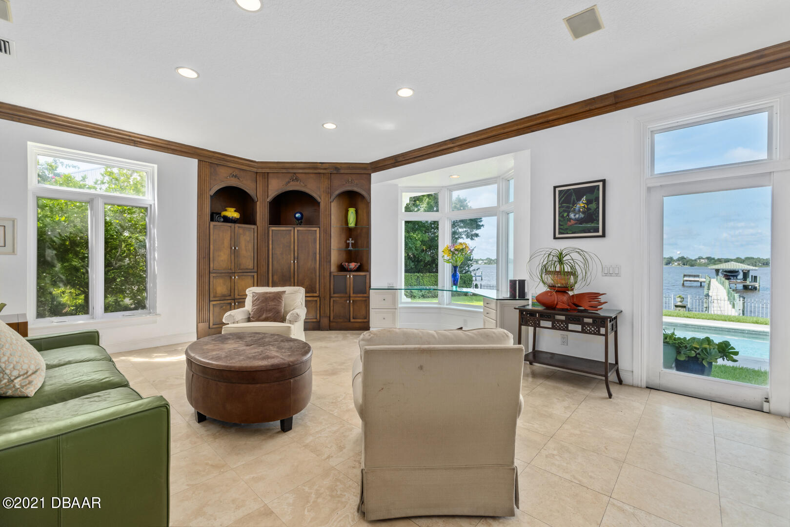Listing photo id 28 for 70 Riverside Drive