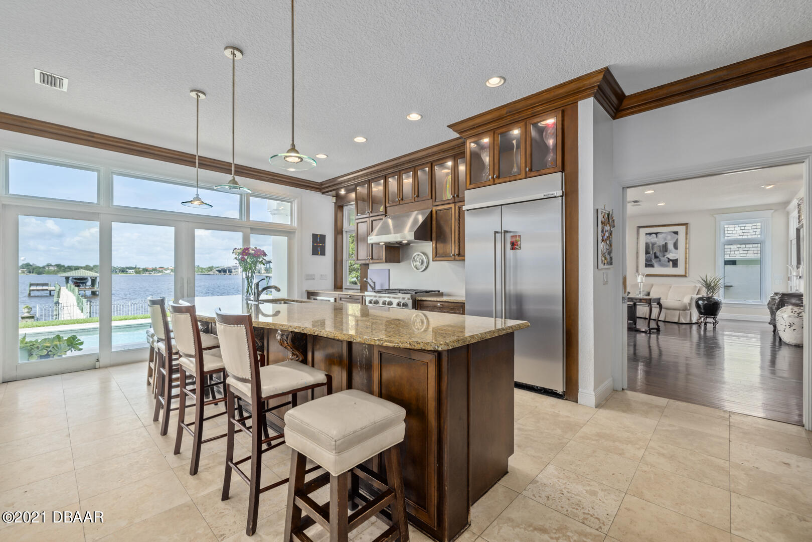 Listing photo id 24 for 70 Riverside Drive
