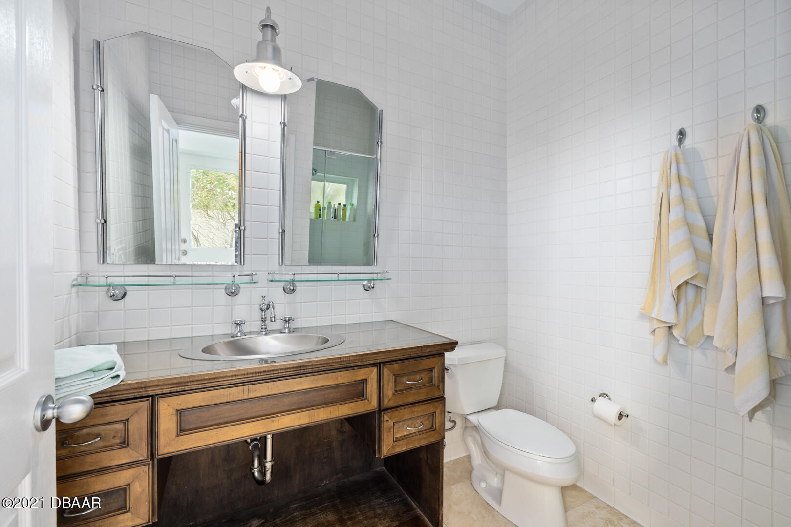 Listing photo id 29 for 70 Riverside Drive