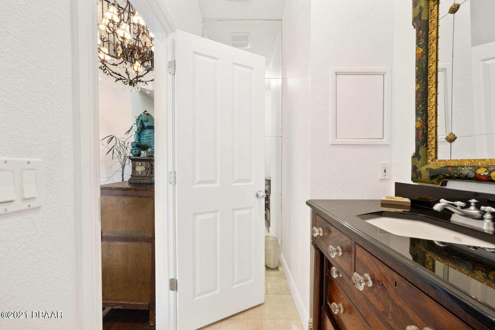 Listing photo id 35 for 70 Riverside Drive