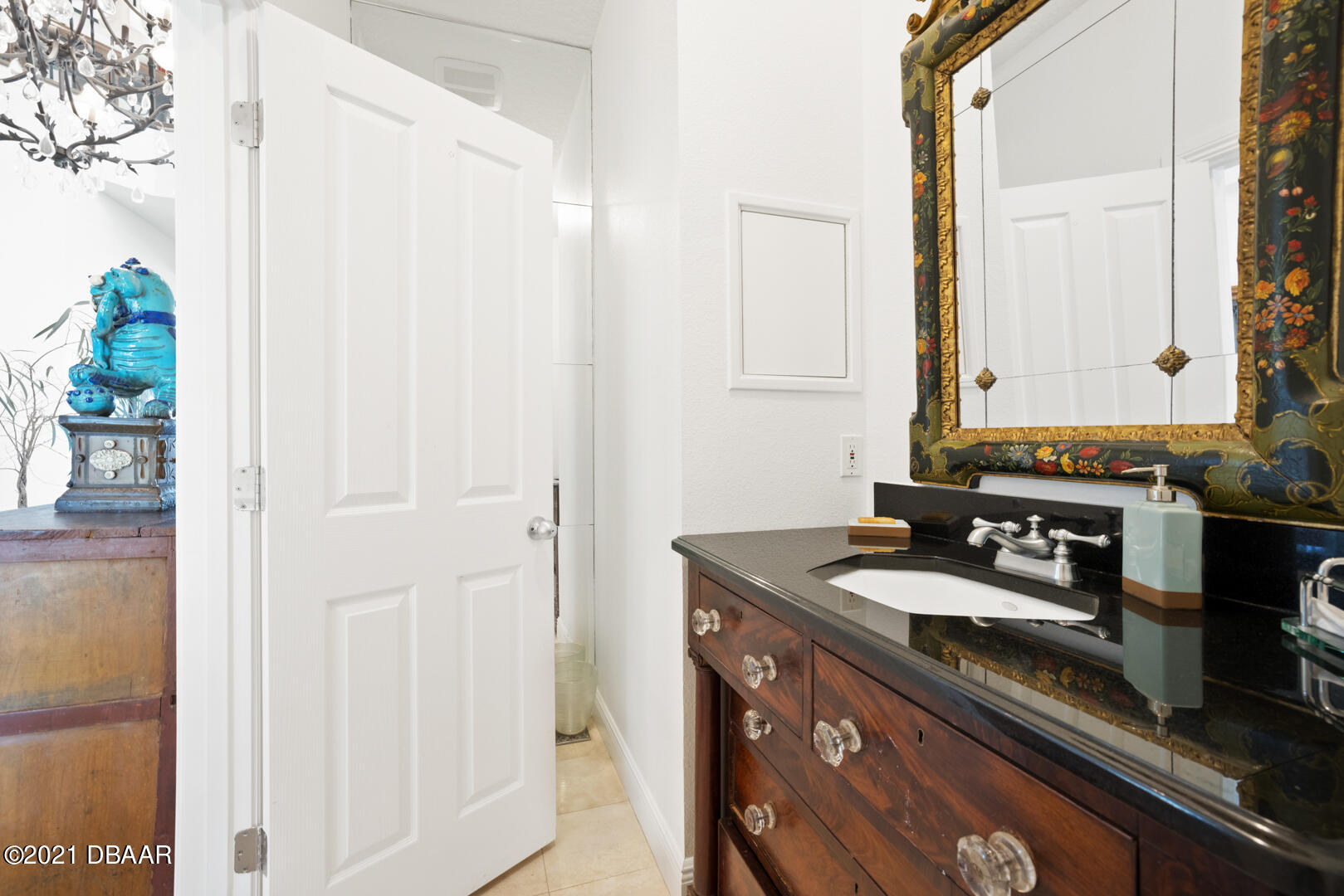 Listing photo id 36 for 70 Riverside Drive
