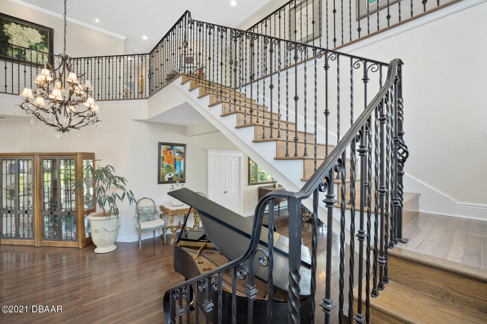 Listing photo id 38 for 70 Riverside Drive