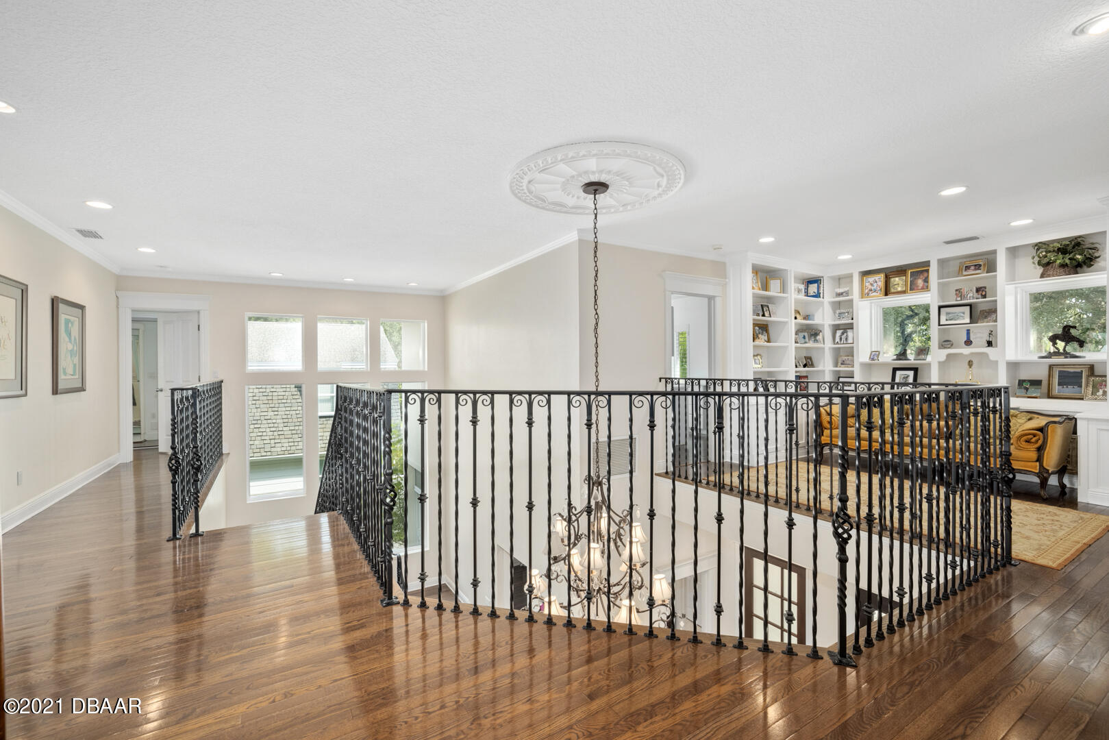 Listing photo id 40 for 70 Riverside Drive