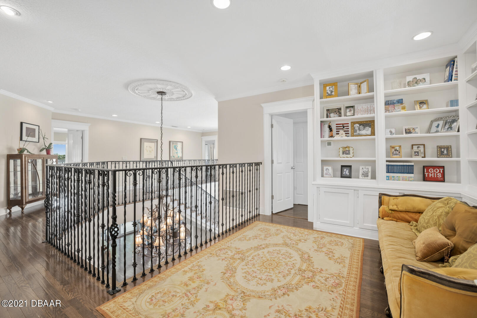 Listing photo id 56 for 70 Riverside Drive
