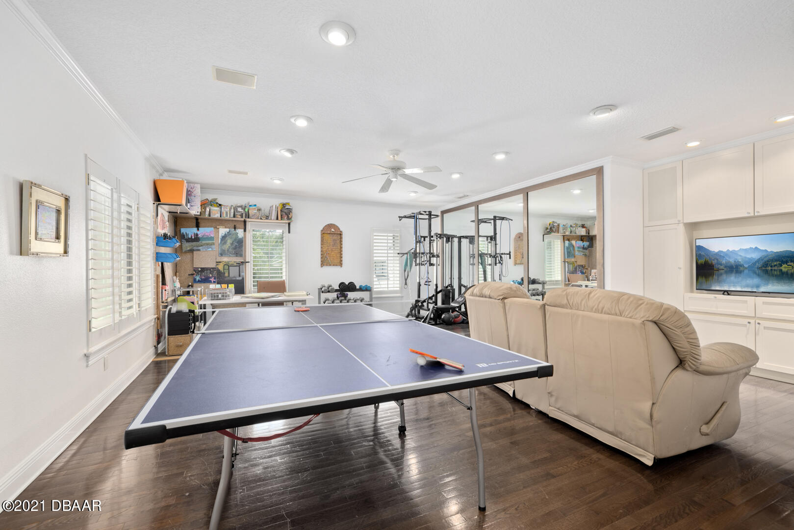 Listing photo id 59 for 70 Riverside Drive