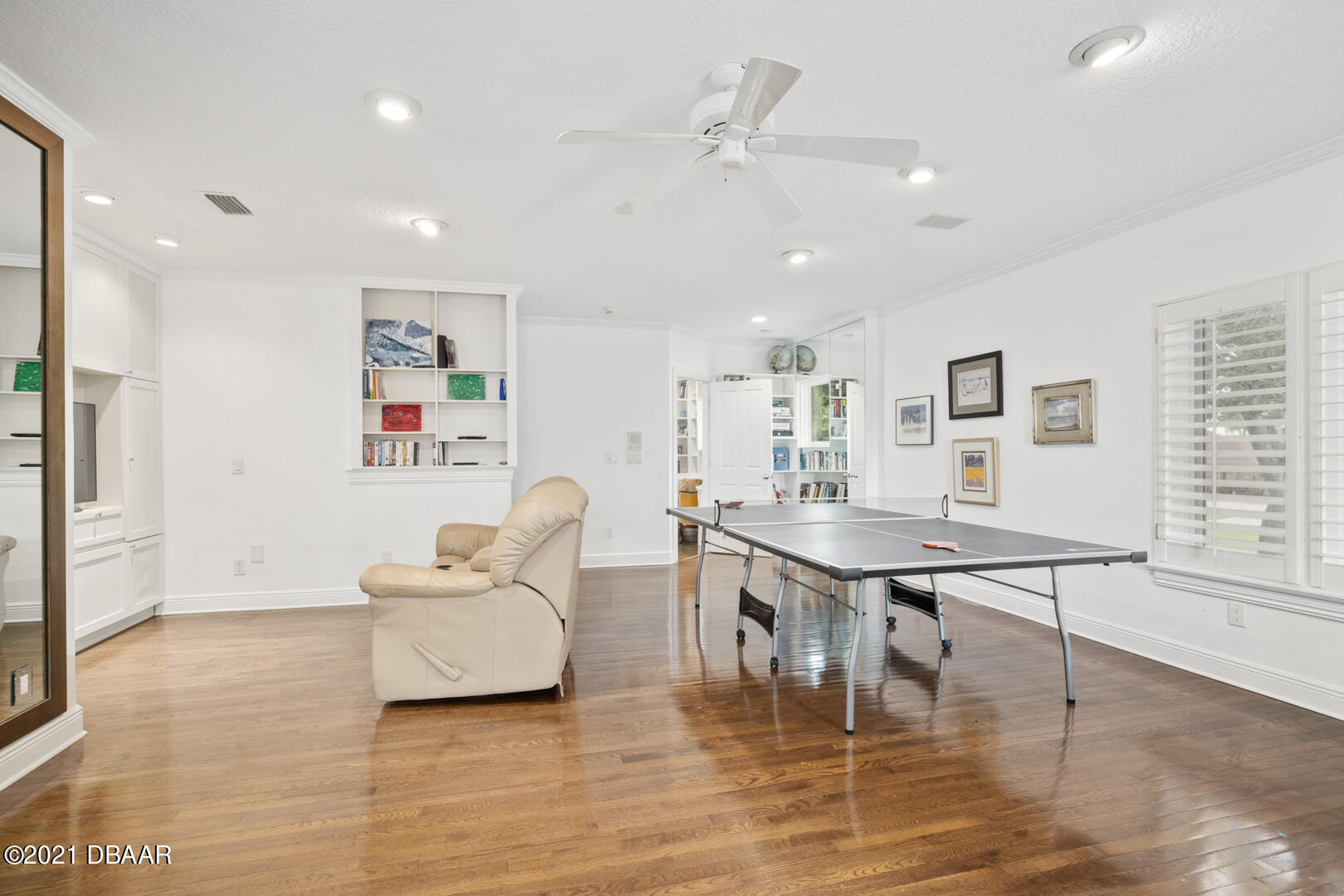 Listing photo id 60 for 70 Riverside Drive