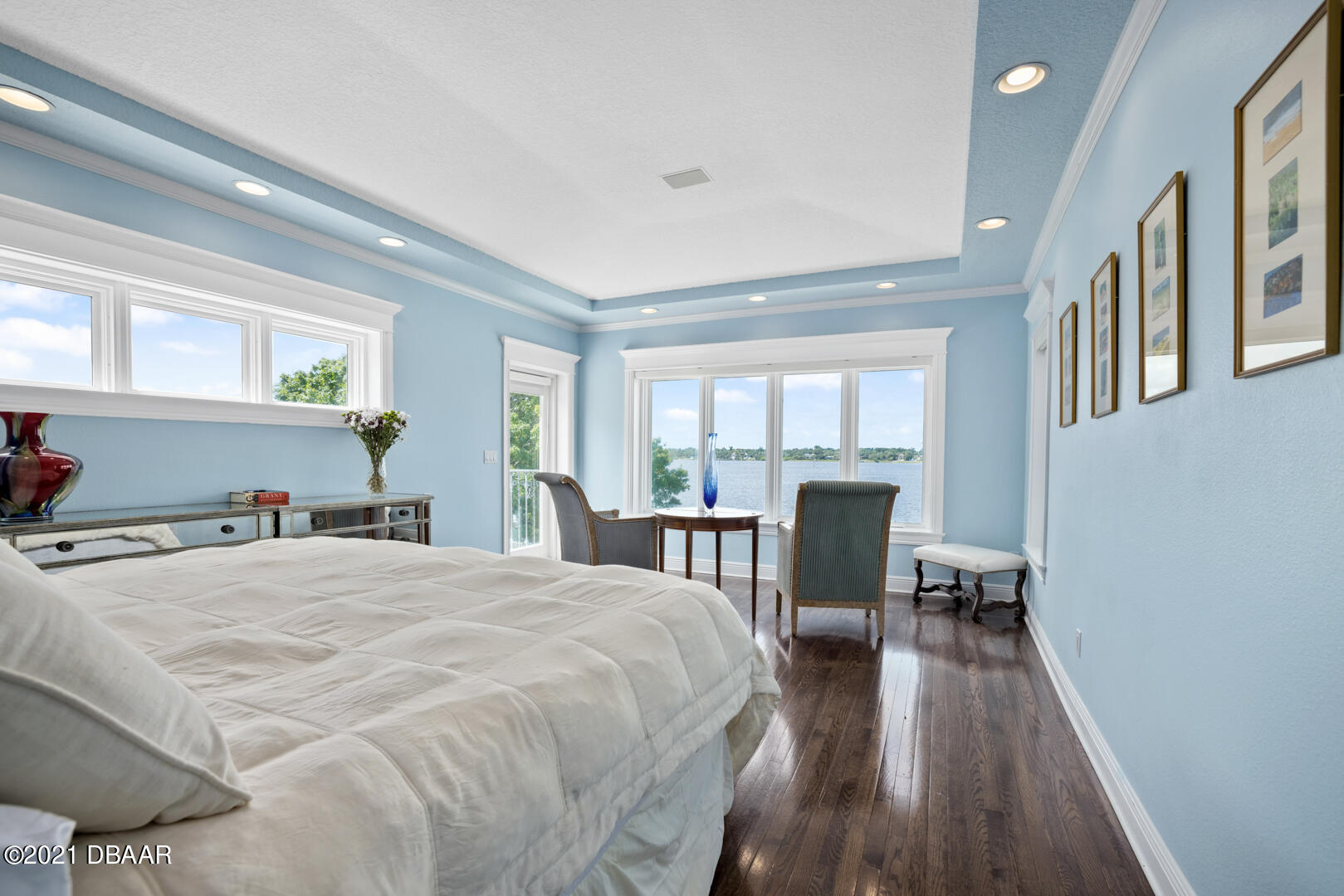 Listing photo id 41 for 70 Riverside Drive