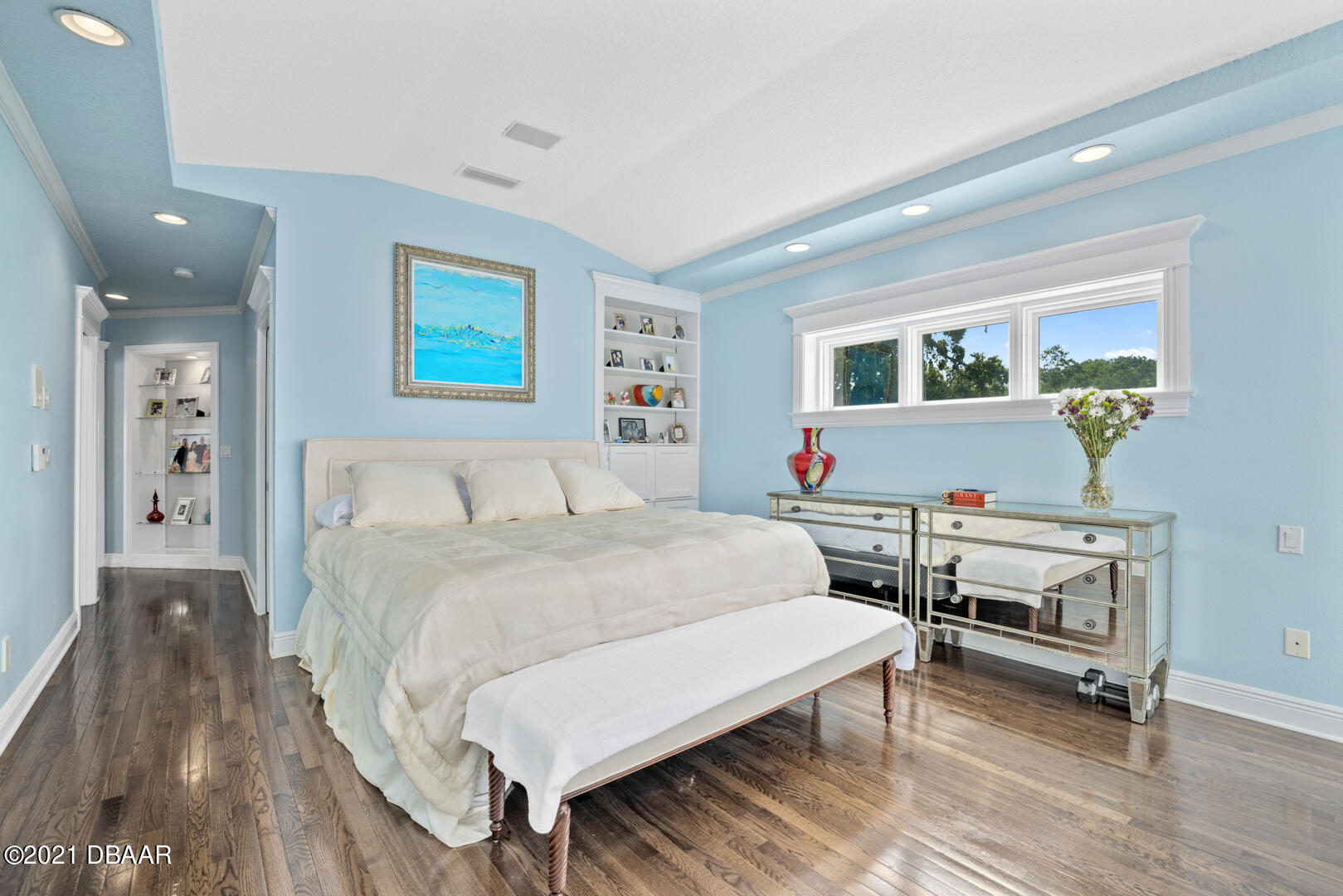 Listing photo id 42 for 70 Riverside Drive