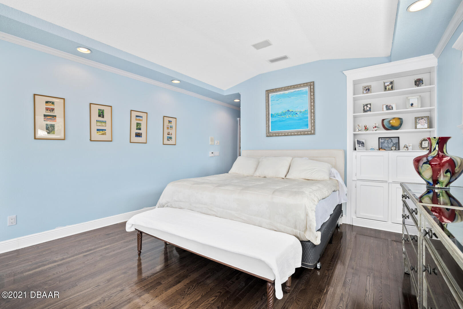Listing photo id 43 for 70 Riverside Drive