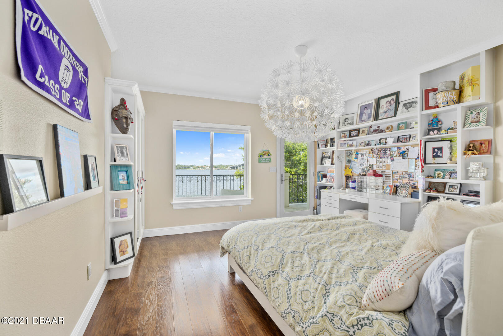Listing photo id 64 for 70 Riverside Drive