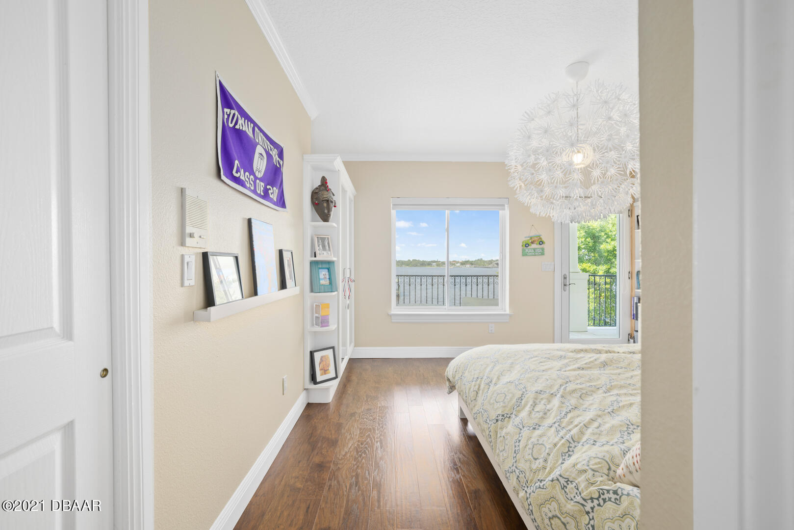 Listing photo id 65 for 70 Riverside Drive