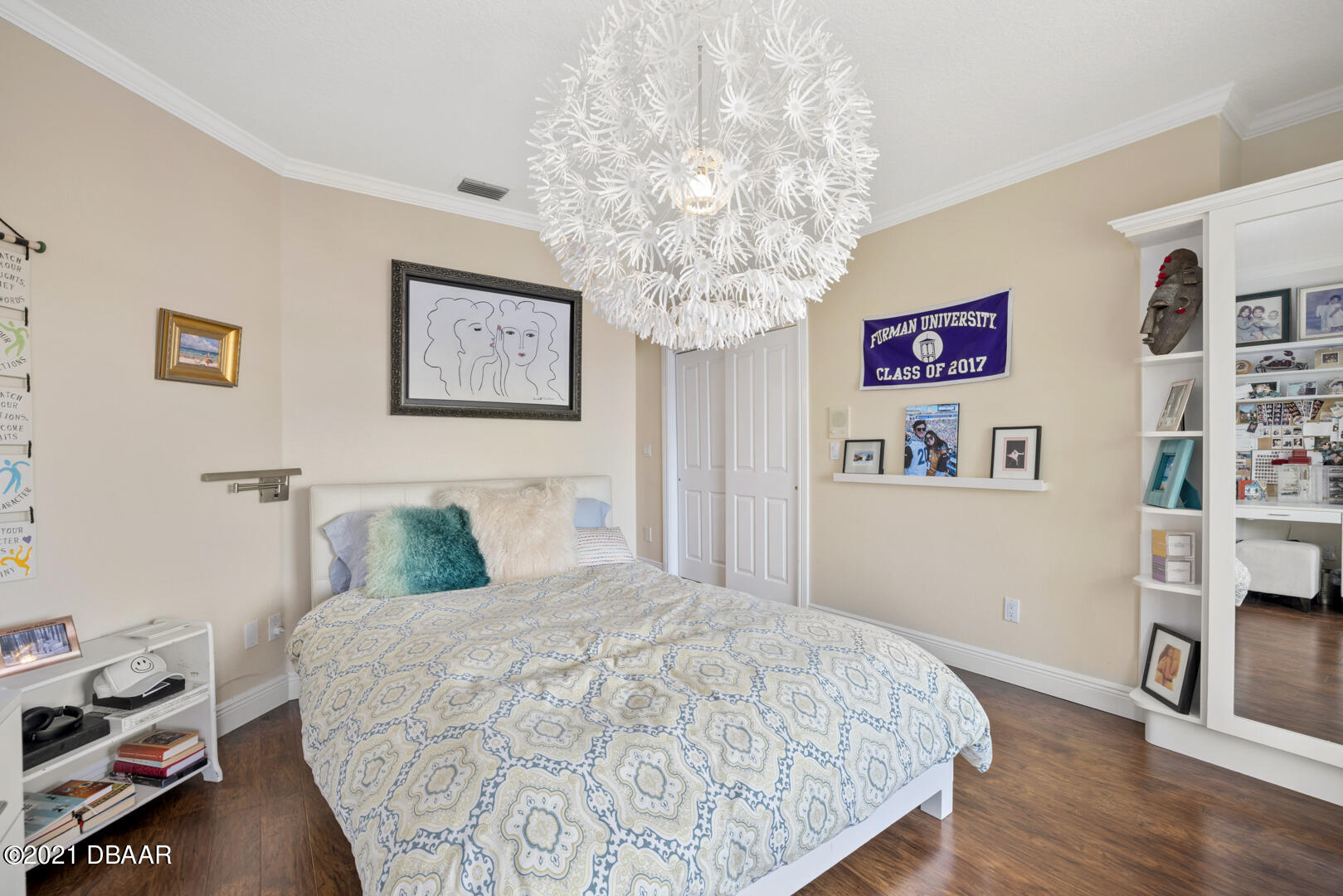 Listing photo id 66 for 70 Riverside Drive