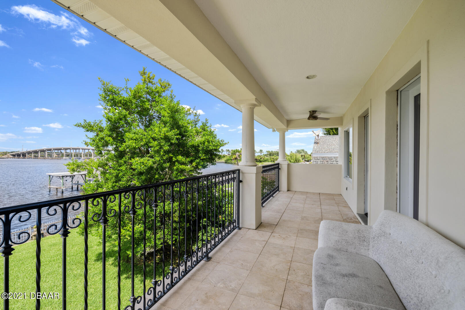 Listing photo id 75 for 70 Riverside Drive