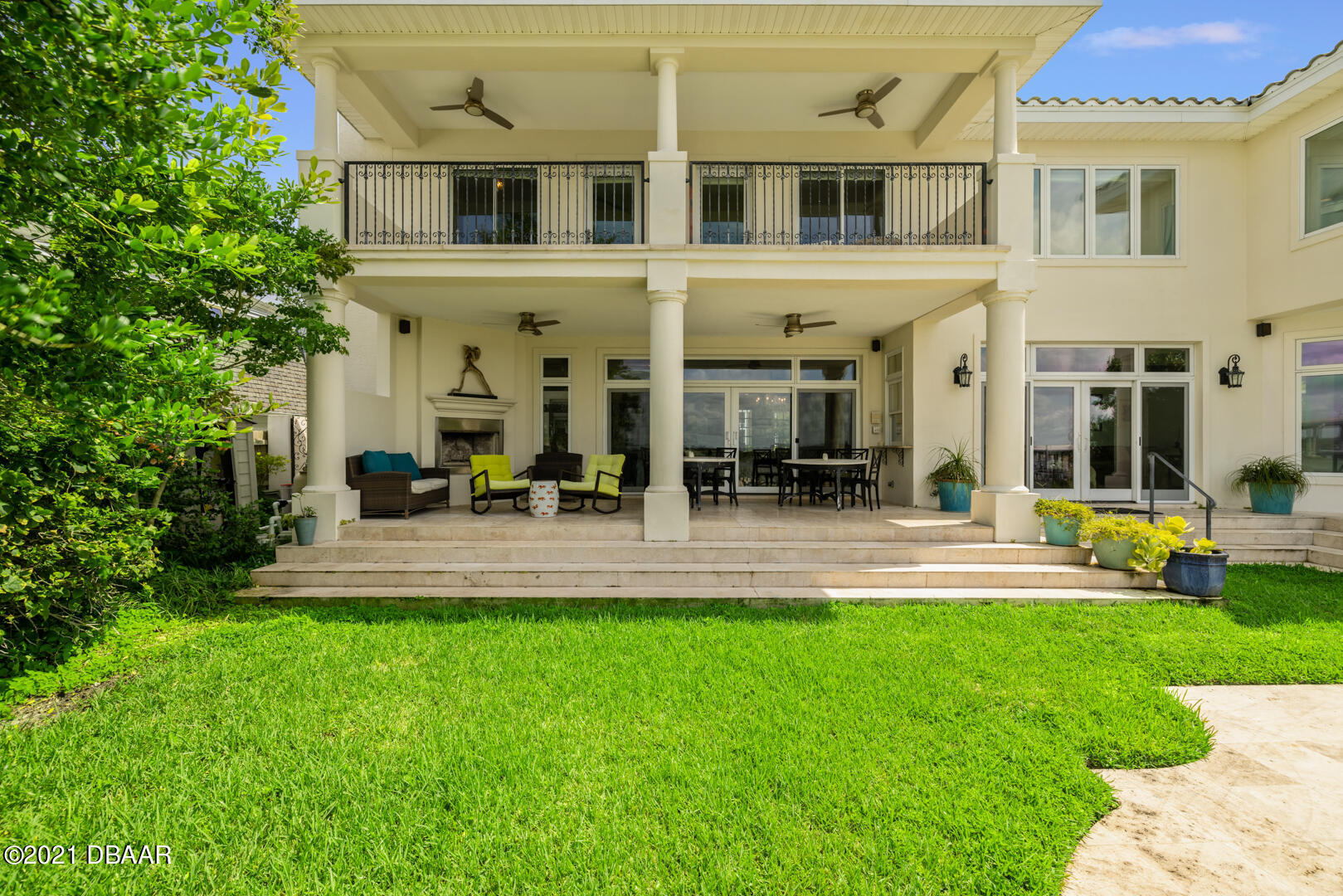 Listing photo id 79 for 70 Riverside Drive