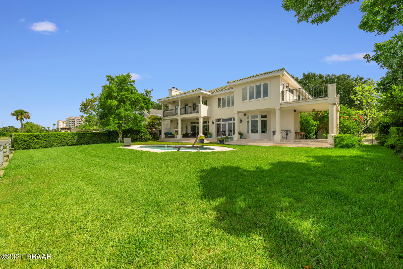 Listing photo id 80 for 70 Riverside Drive