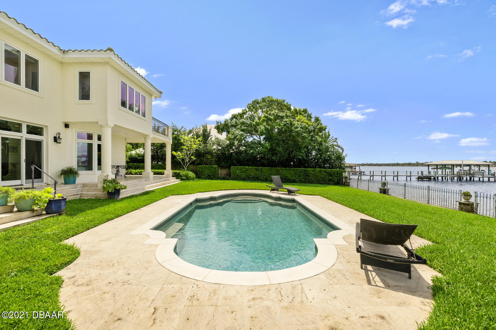 Listing photo id 86 for 70 Riverside Drive