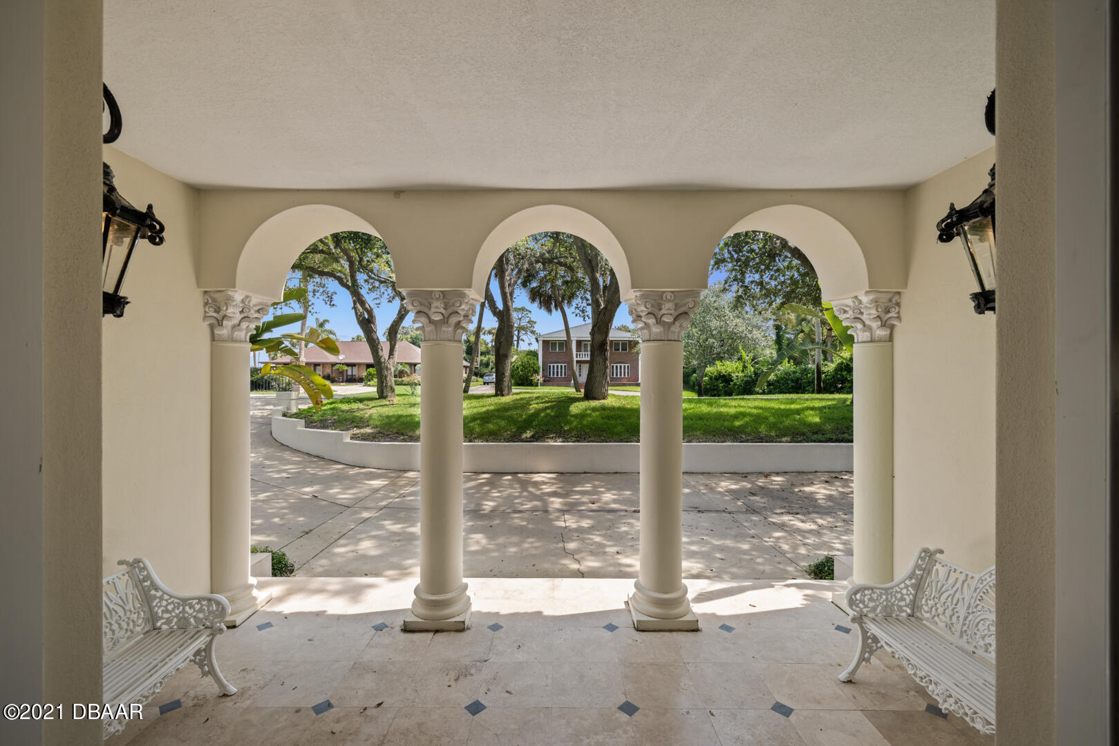 Listing photo id 91 for 70 Riverside Drive