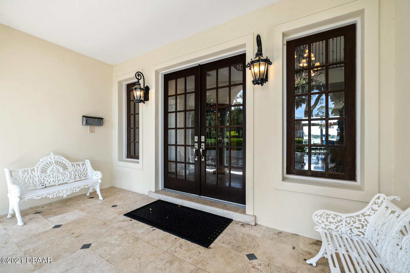Listing photo id 92 for 70 Riverside Drive