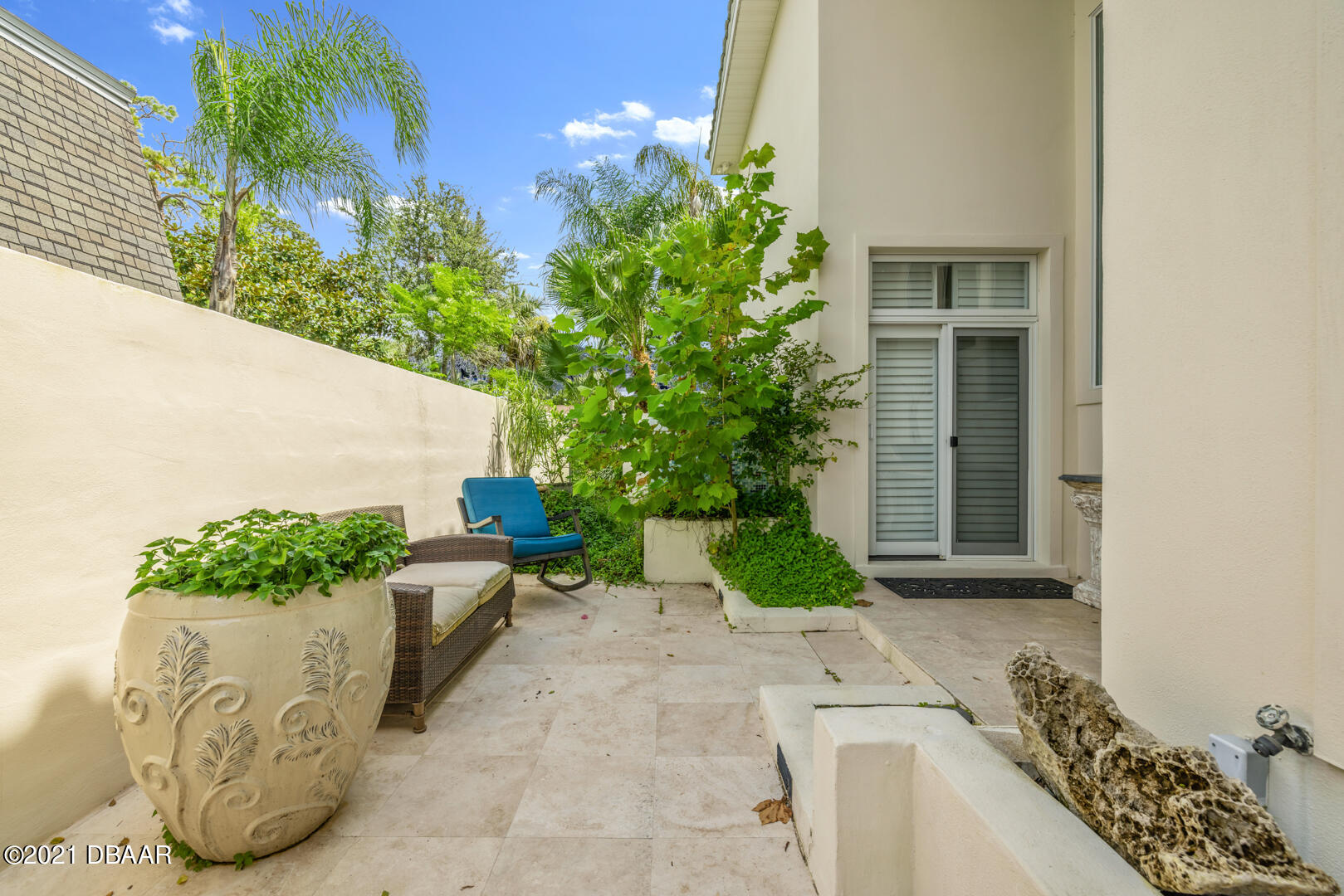 Listing photo id 97 for 70 Riverside Drive