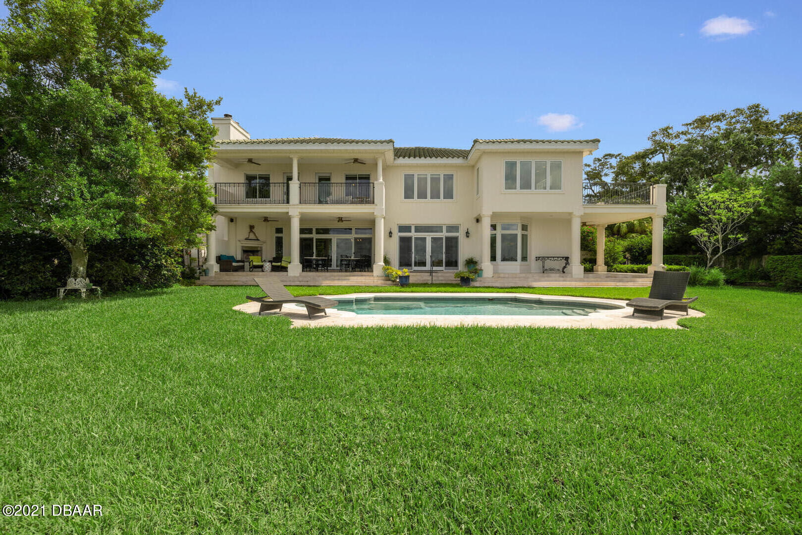 Listing photo id 110 for 70 Riverside Drive