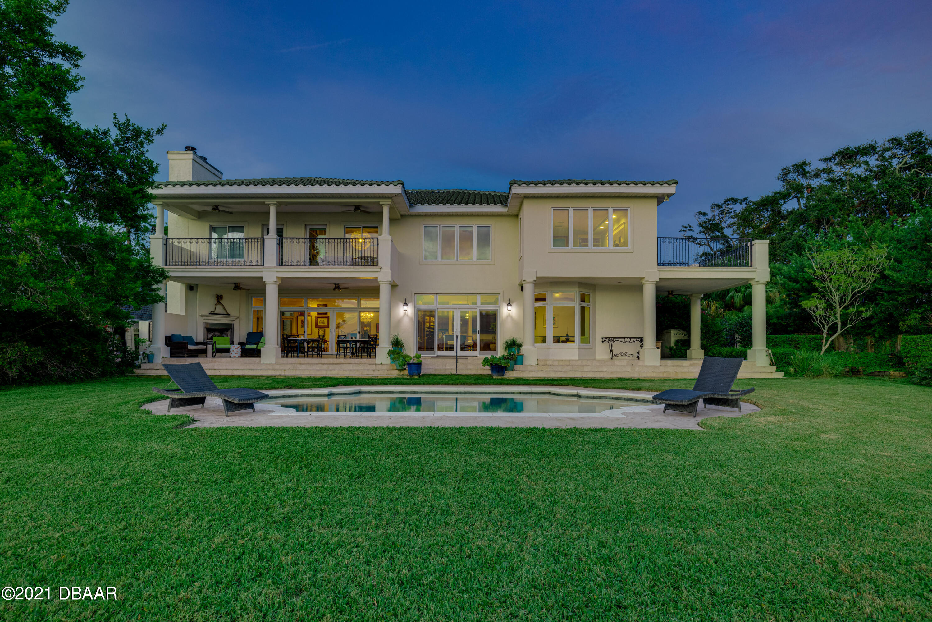 Listing photo id 123 for 70 Riverside Drive