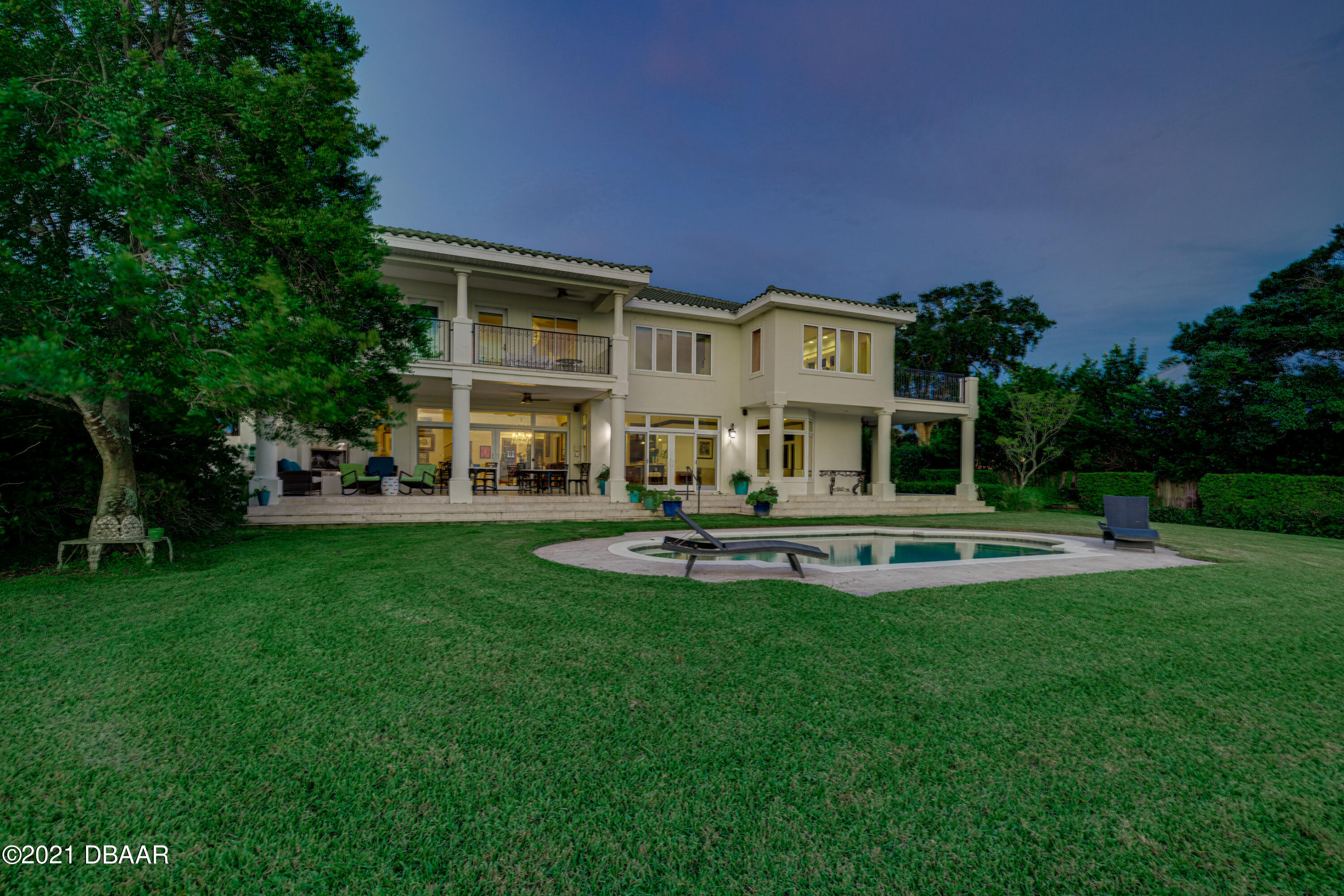 Listing photo id 126 for 70 Riverside Drive