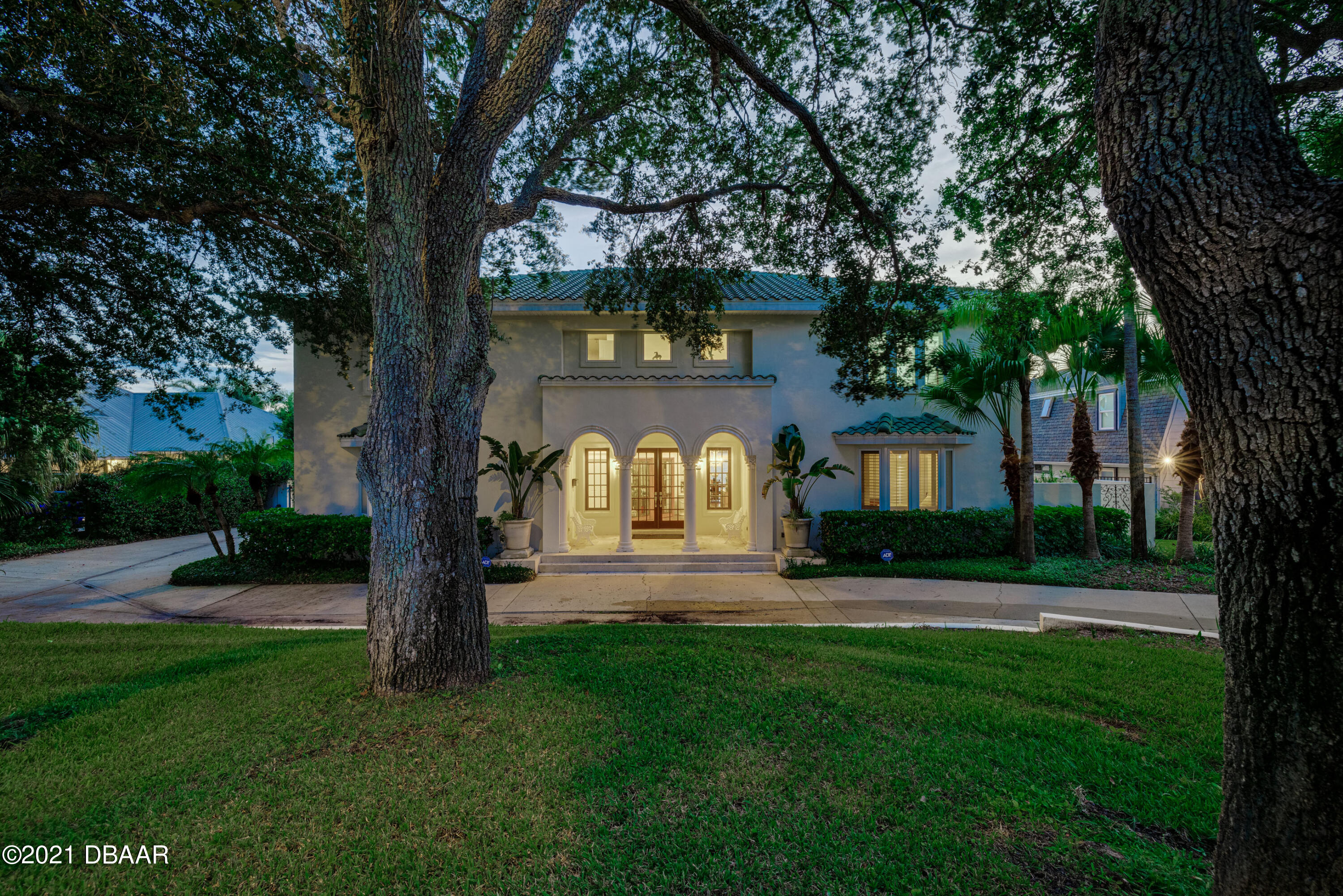 Listing photo id 131 for 70 Riverside Drive