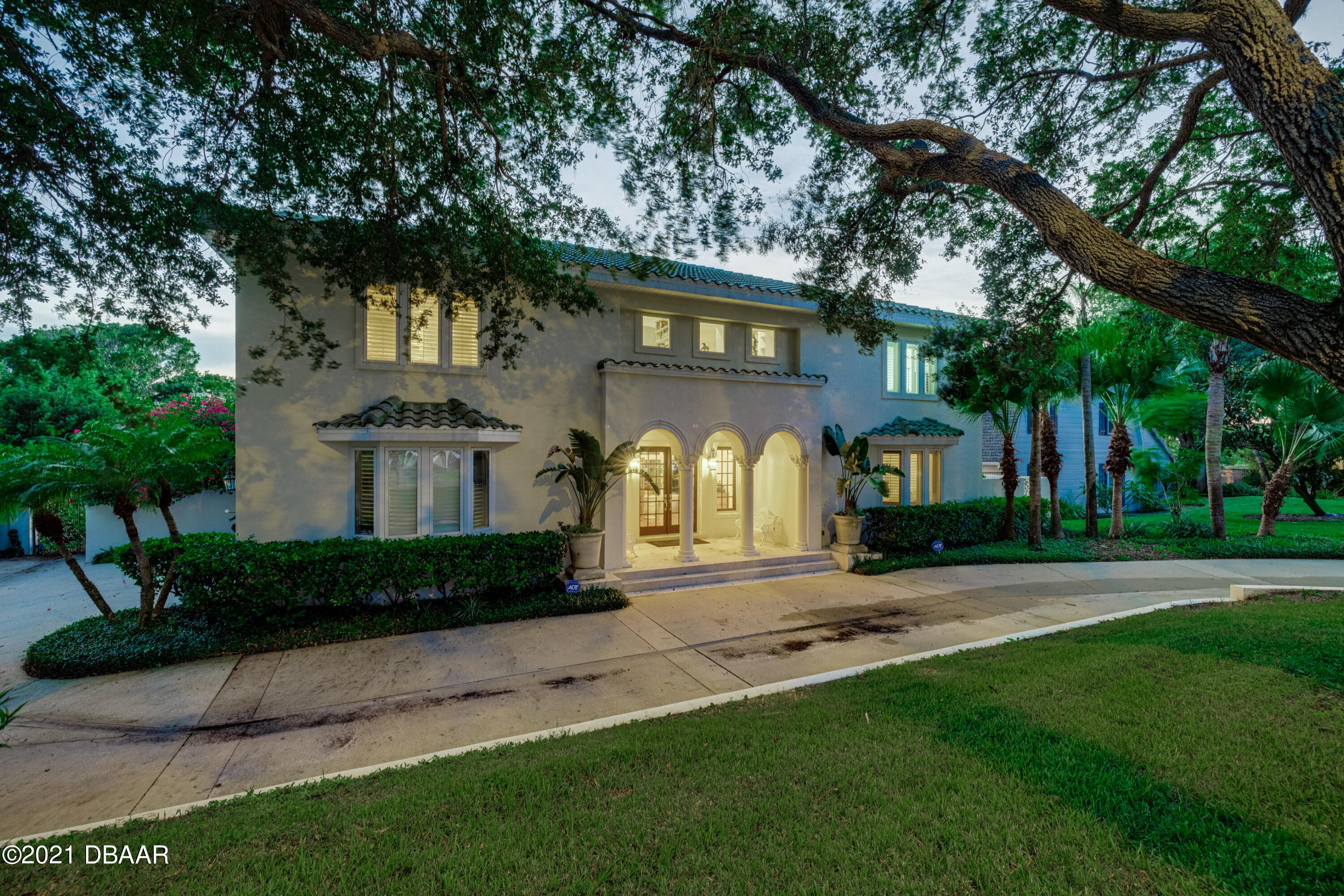 Listing photo id 132 for 70 Riverside Drive