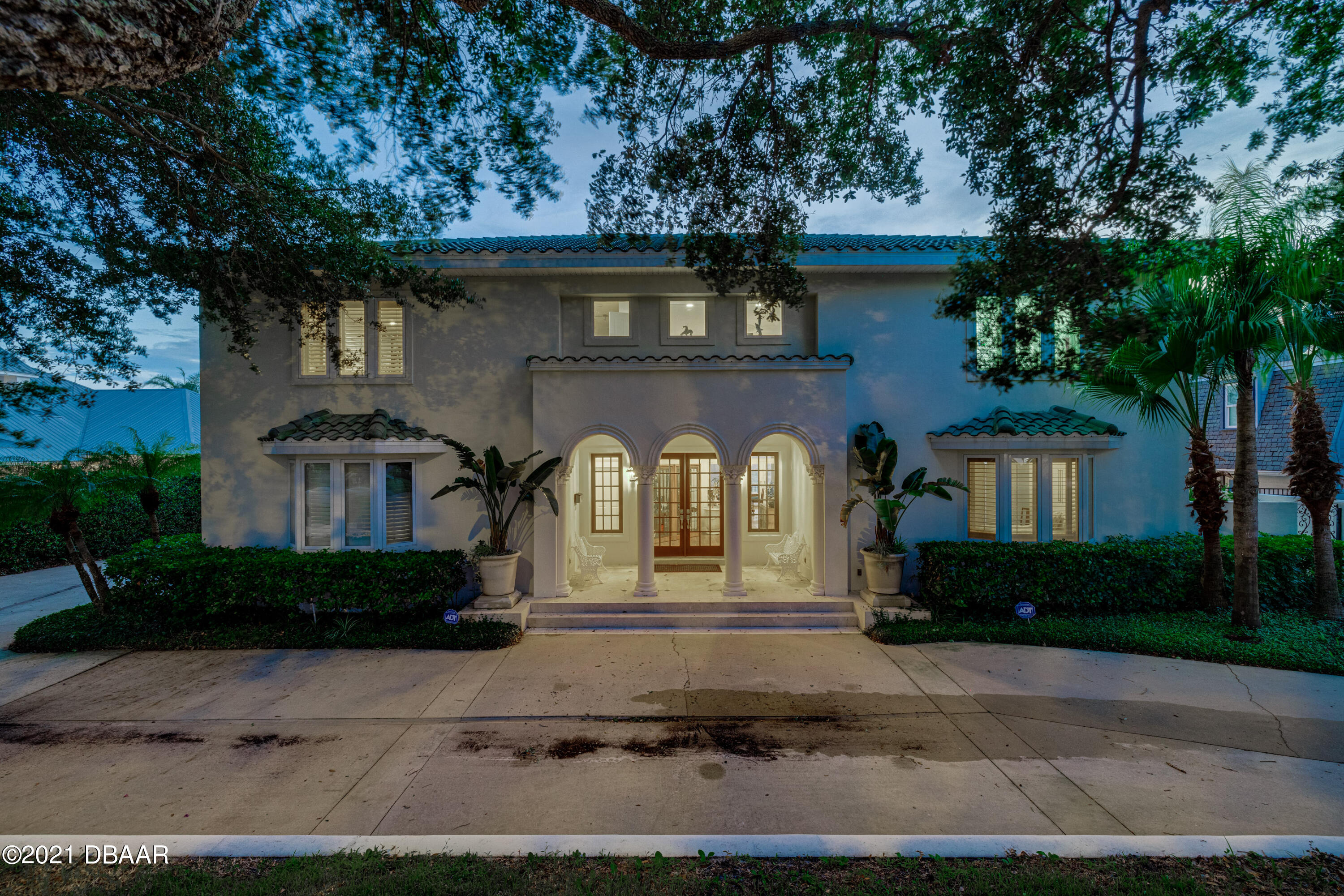 Listing photo id 133 for 70 Riverside Drive