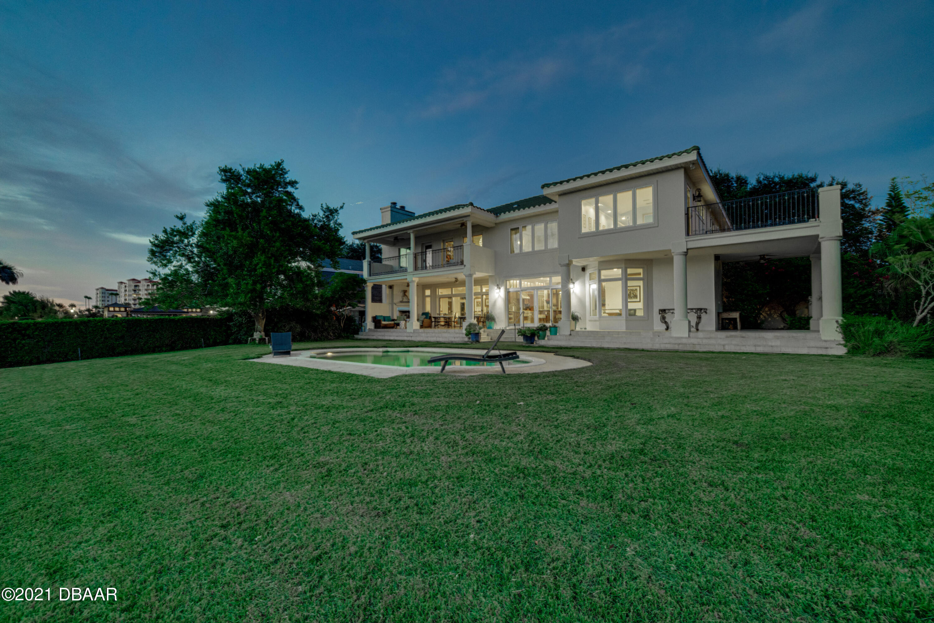 Listing photo id 138 for 70 Riverside Drive