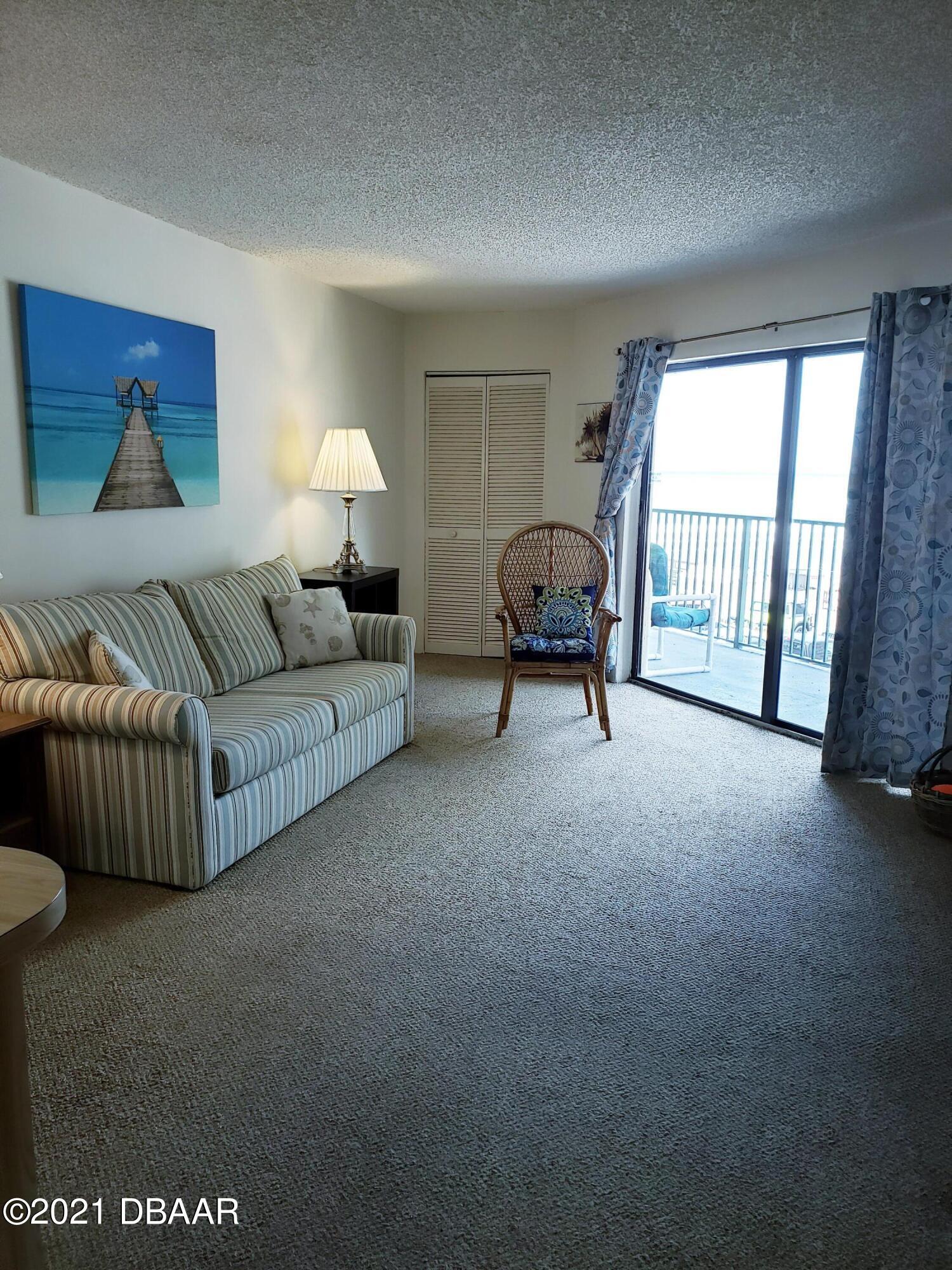 Image 3 of 20 For 3647 Atlantic Avenue 306