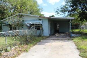 946 Gardenia Drive, Daytona Beach, FL 32117